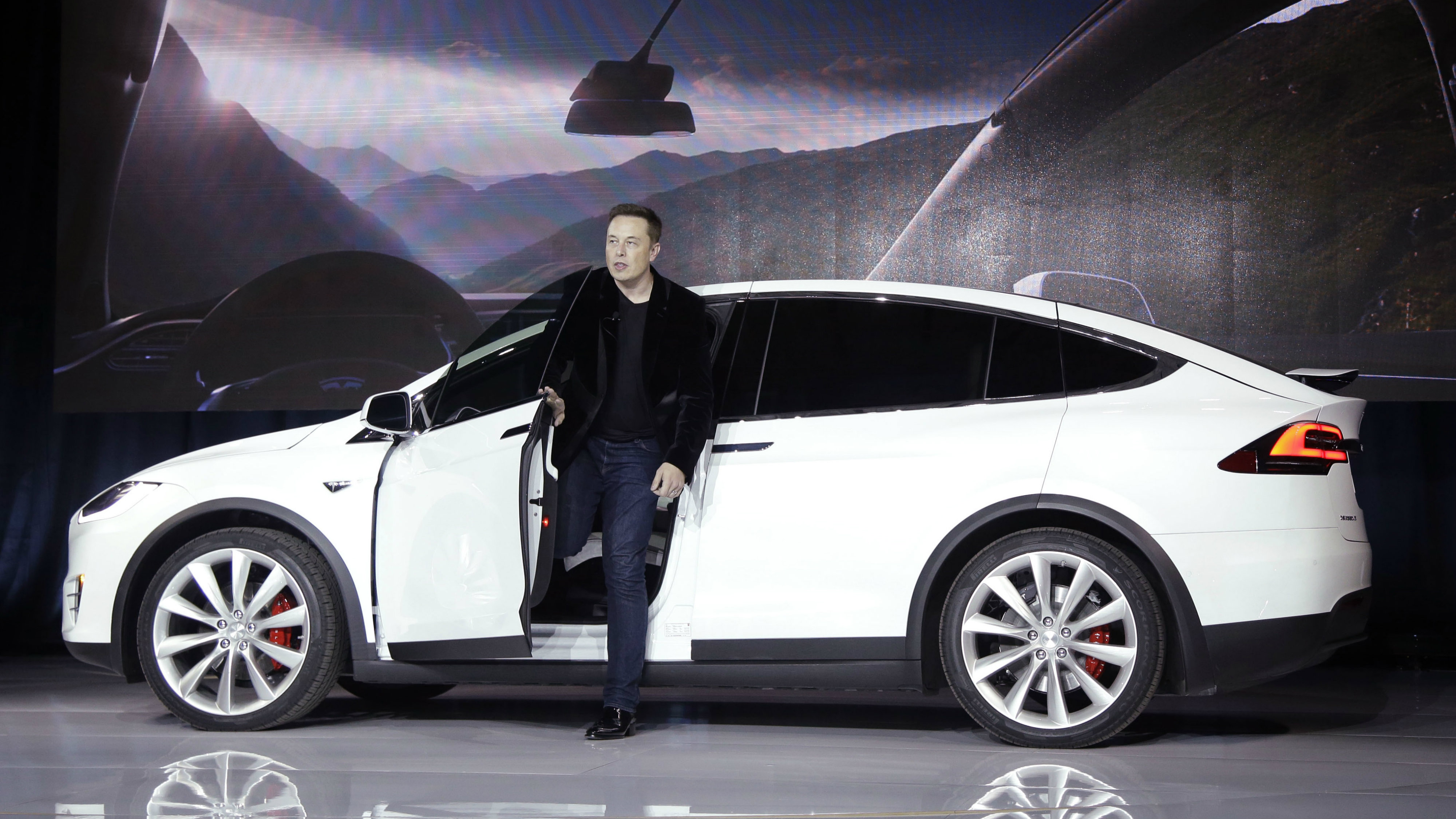 Elon Musk, CEO of Tesla Motors, introduces a new model in 2015