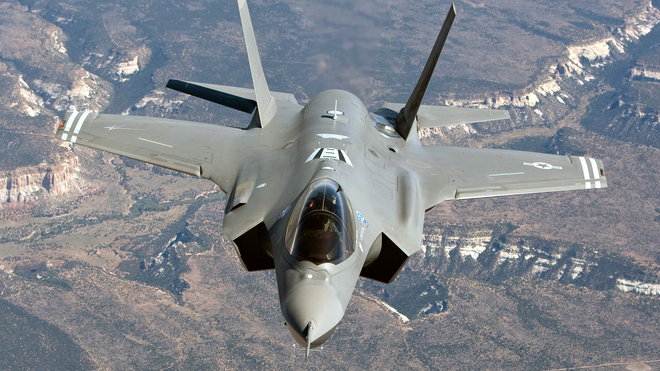An undated file picture made available on 25 September 2014 shows a F-35A fighter jet flying at an unknown location. South Korea said on 24 September 2014, it has decided to purchase 40 F-35A fighter jets from the US defense firm Lockheed Martin in a deal worth 7.04 billion US dollar. Under the deal, Lockheed Martin will transfer fighter production technologies in 17 sectors to be used for South Korea's project to develop an indigenous next-generation fighter jet, the South Korean Defense Acquisition Program Administration (DAPA) said.