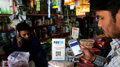 Indian customers pay cashless