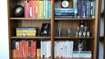 Your Bookshelf Sends An Unspoken Message About Who You Are
