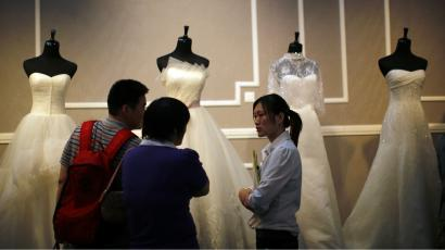 65f3ac3f6d Why are wedding dresses white  History shows color stems from wealth ...