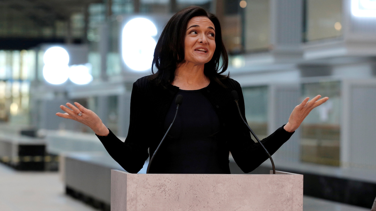 Sheryl Sandberg, Chief Operating Officer of Facebook, delivers a speech during a visit in Paris, France, January 17, 2017, at a start-up companies gathering at Paris' Station F site as the company tries to head off tougher regulation by Germany. REUTERS/Philippe Wojazer TPX IMAGES OF THE DAY - RC1BC24104F0