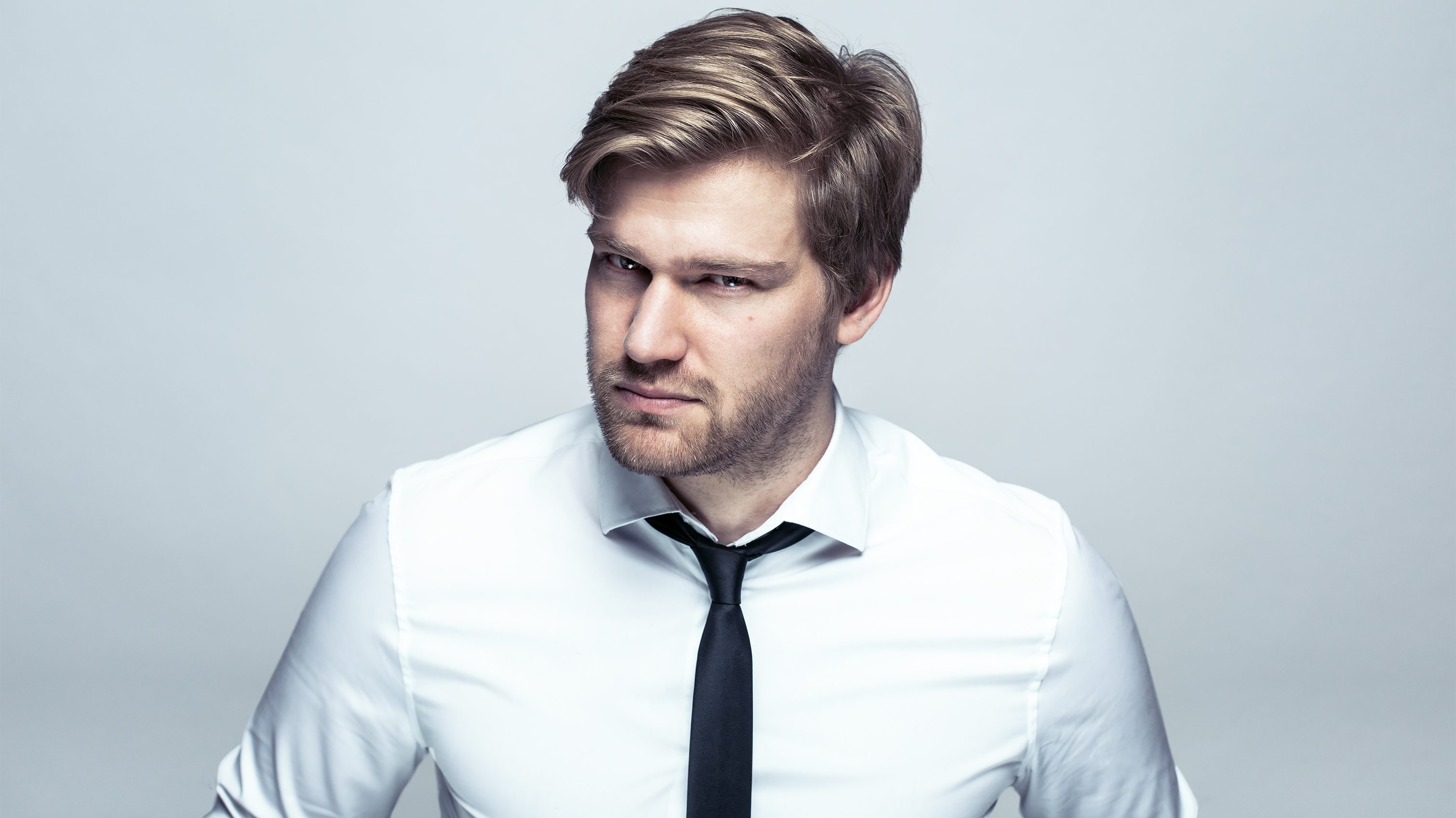 Shahak Shapira beat Facebook bots, attacked Twitter for hate speech, and satirized Instagrammers