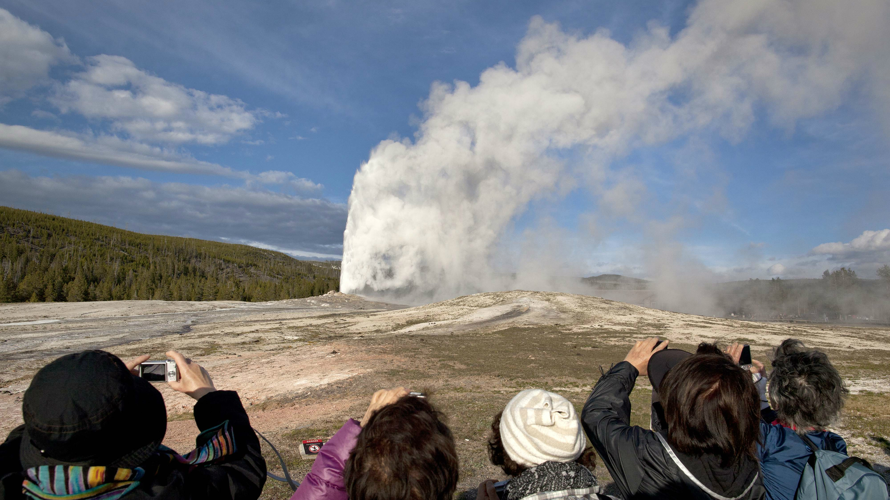The volcano should not cause mass hysteria.