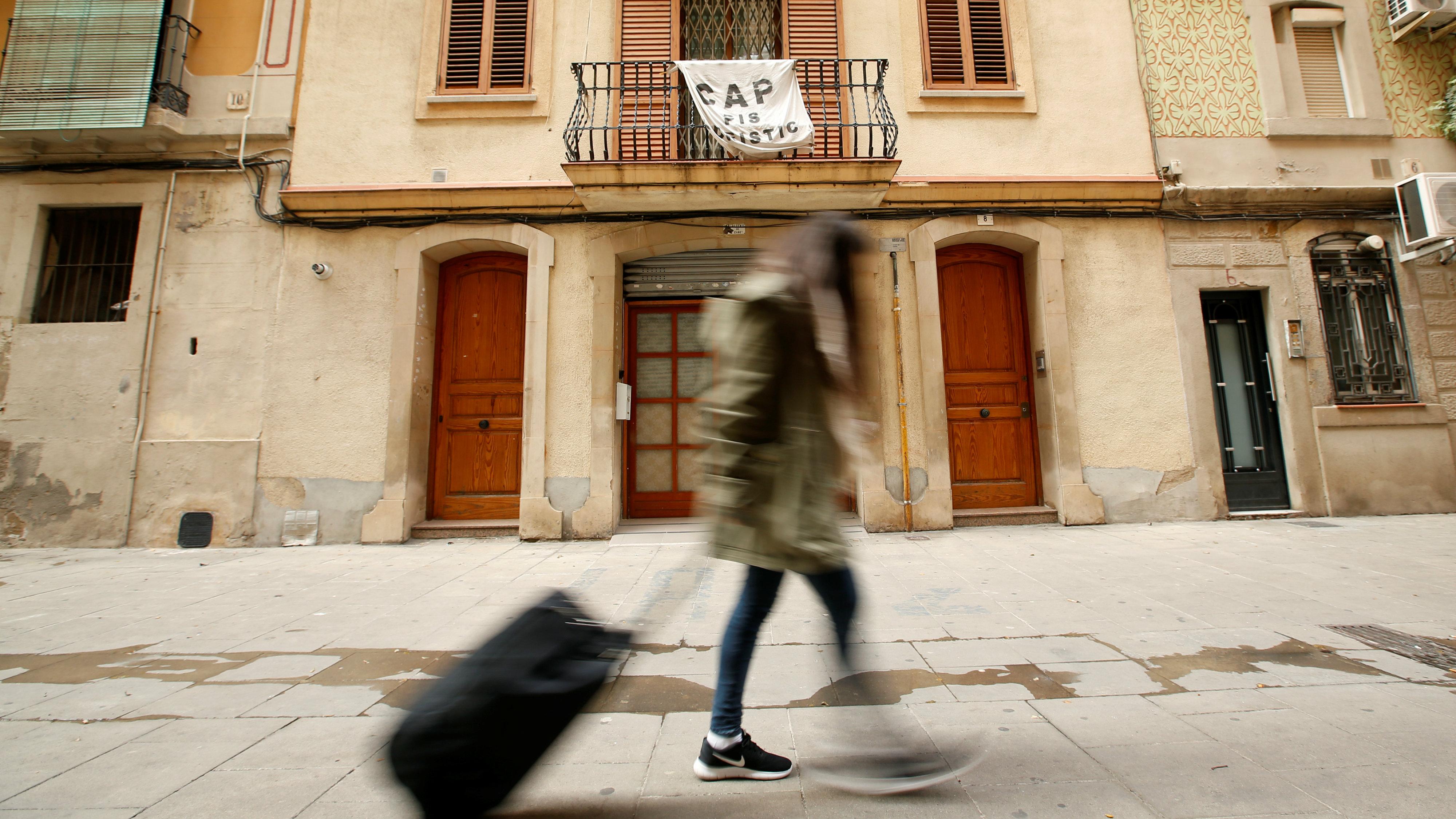 Barcelona hates tourists