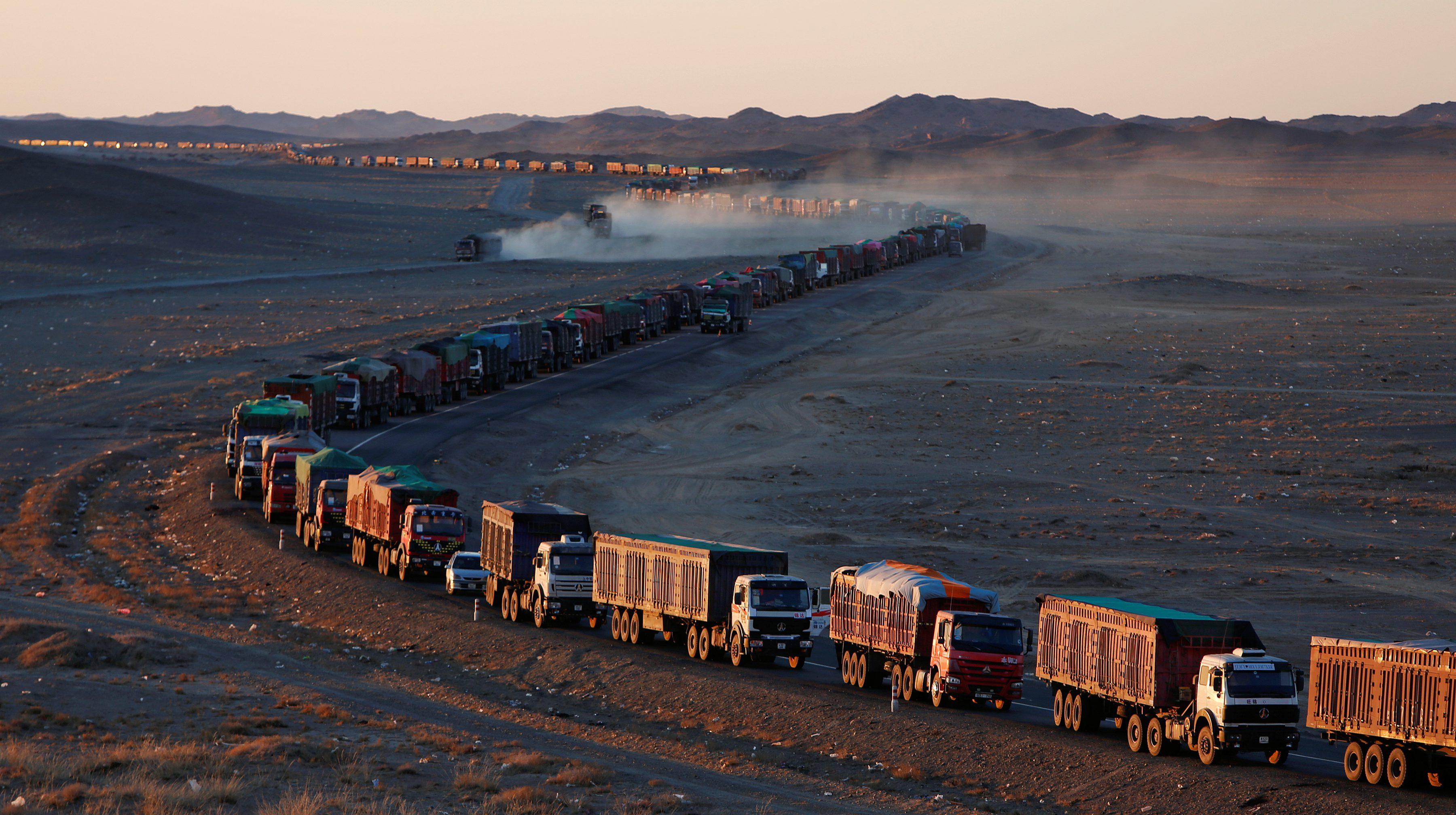 The Wider Image: Border jam puts Mongolia's coal lifeline under threat