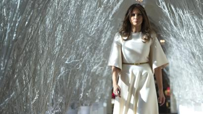 Melania Christmas White House.Melania Trump S Christmas Decorations Winter Is Coming To