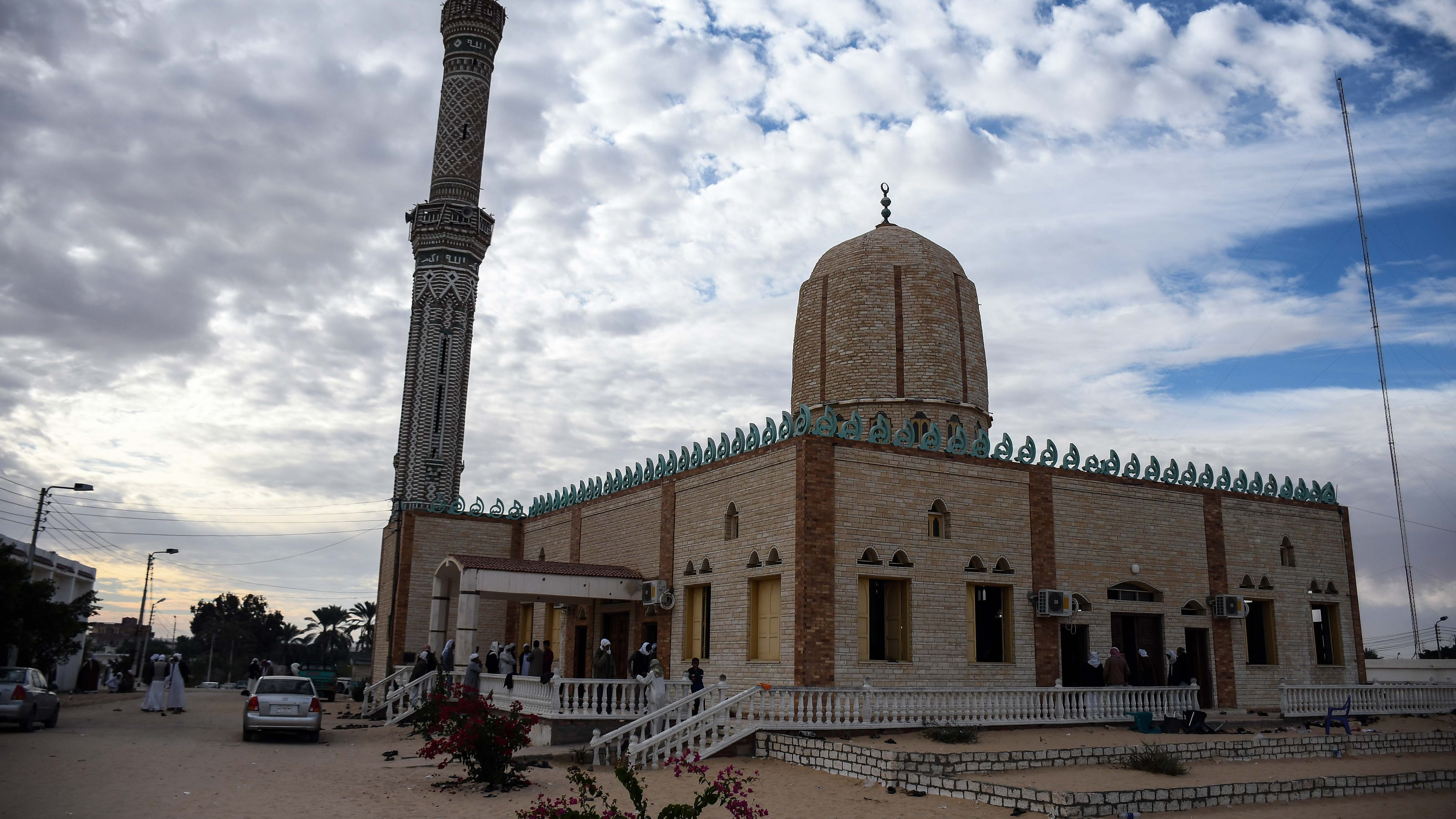 epa06349883 An exterior view of the Al-Rawda mosque a day after the mosque was attacked in the northern city of Arish, Sinai Peninsula, Egypt, 25 November 2017. According to reports, at least 270 people were killed and 90 injured after a bomb was detonated at a mosque and fire opened on worshippers in the Sinai town of Bir al-Abd, near Arish.