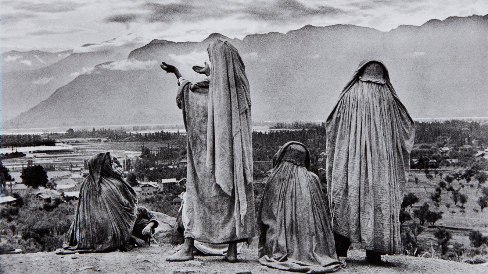 Henri Cartier-Bresson's historic photos of India are to be ...