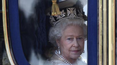 Queen Elizabeths Duchy of Lancaster is tied up in the Paradise Papers