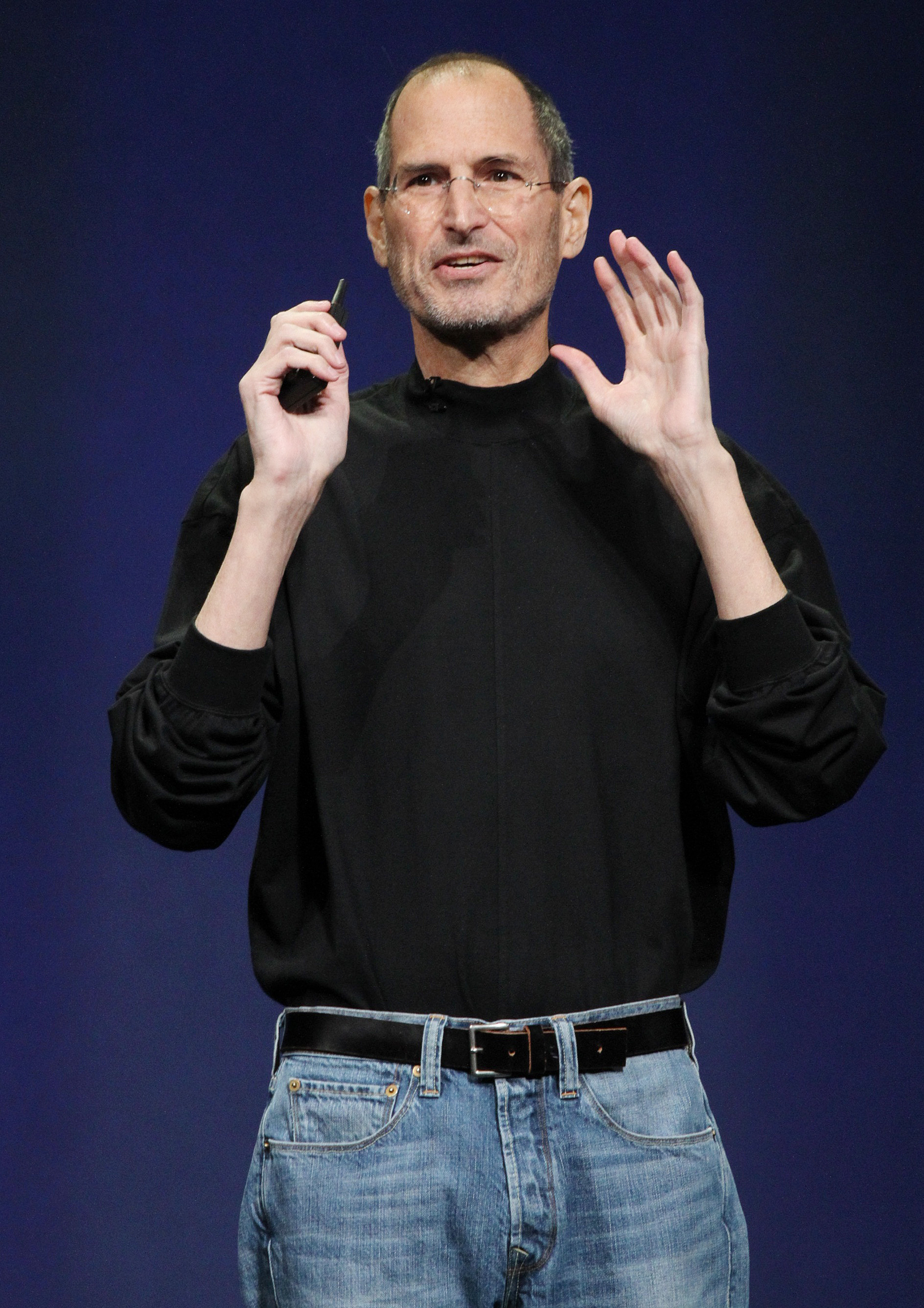 Apple Inc. CEO Steve Jobs introduces the iPad 2 on stage during an Apple event in San Francisco, California March 2, 2011. Jobs took the stage to a standing ovation on Wednesday, returning to the spotlight after a brief medical absence to unveil the second version of the iPad.