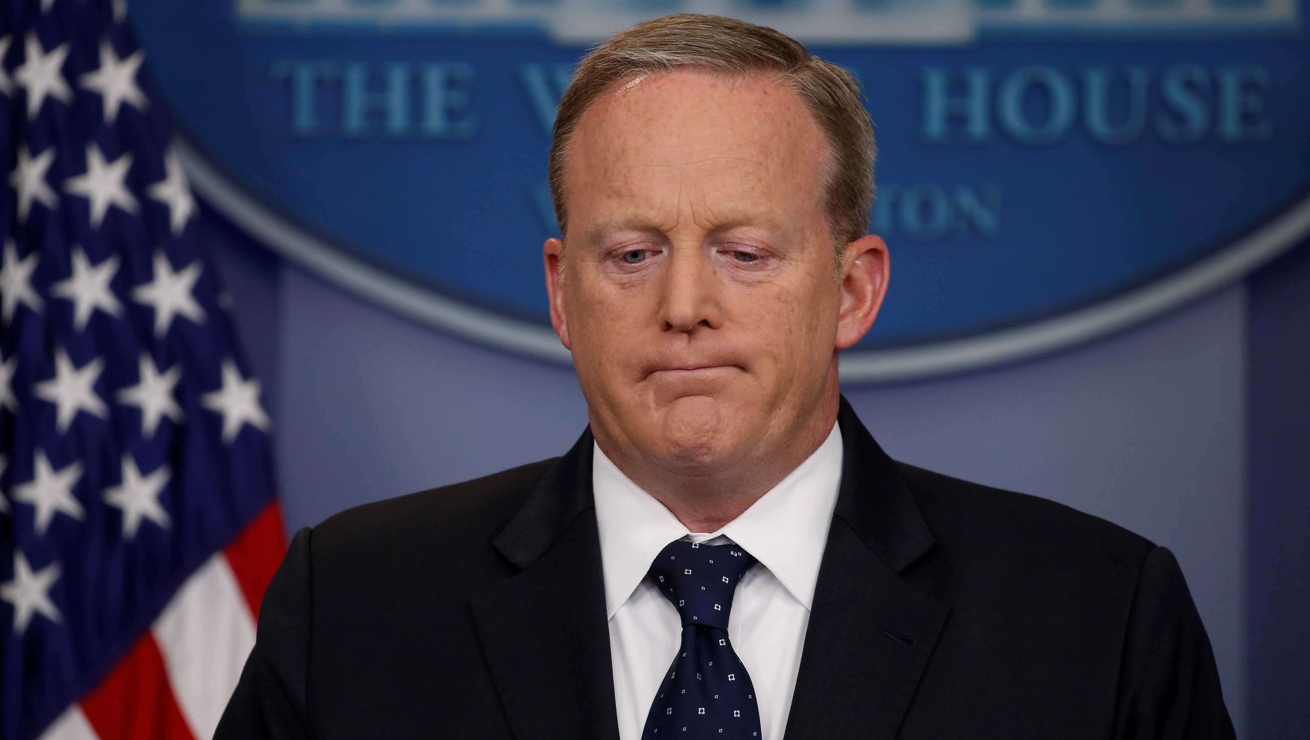 White House Press Secretary Sean Spicer reacts to a reporter's question during his daily briefing at the White House in Washington, U.S., June 20, 2017.  REUTERS/Jonathan Ernst - RC1C8593F300