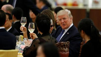 U.S. President Donald Trump takes makes a toast during a state dinner hosted by his Chinese counterpart Xi Jinping at the Great Hall of the People in Beijing, China, November 9, 2017. REUTERS/Thomas Peter - RC1D09704B70