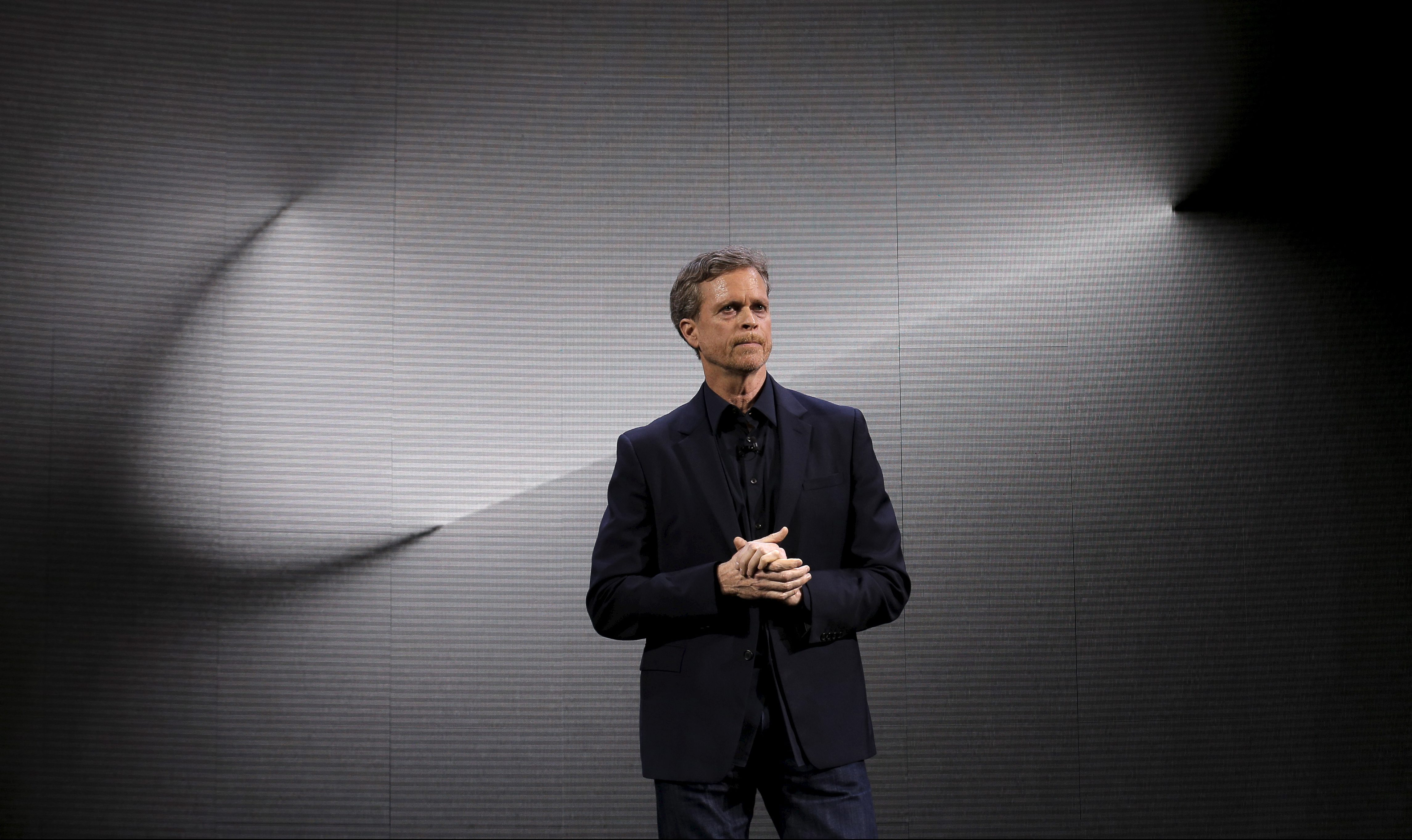 Nike CEO Mark Parker speaks during a launch event in New York March 16, 2016. REUTERS/Brendan McDermid       TPX IMAGES OF THE DAY      - GF10000347994