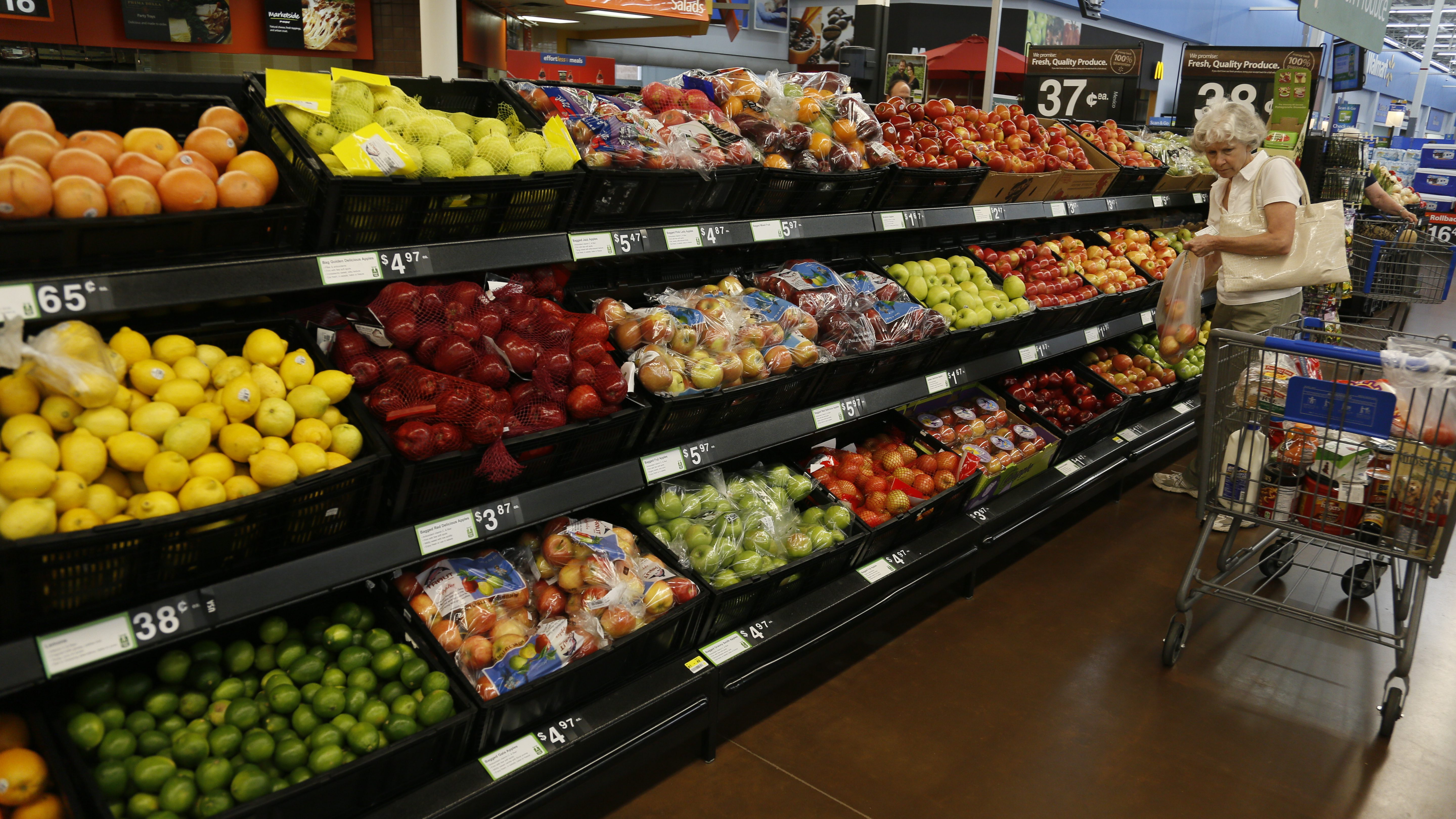 The fresh produce section is seen at a Walmart Supercenter in Rogers, Arkansas June 6, 2013.       (UNITED STATES  - Tags: BUSINESS)   - TB3E97Q1BXATT
