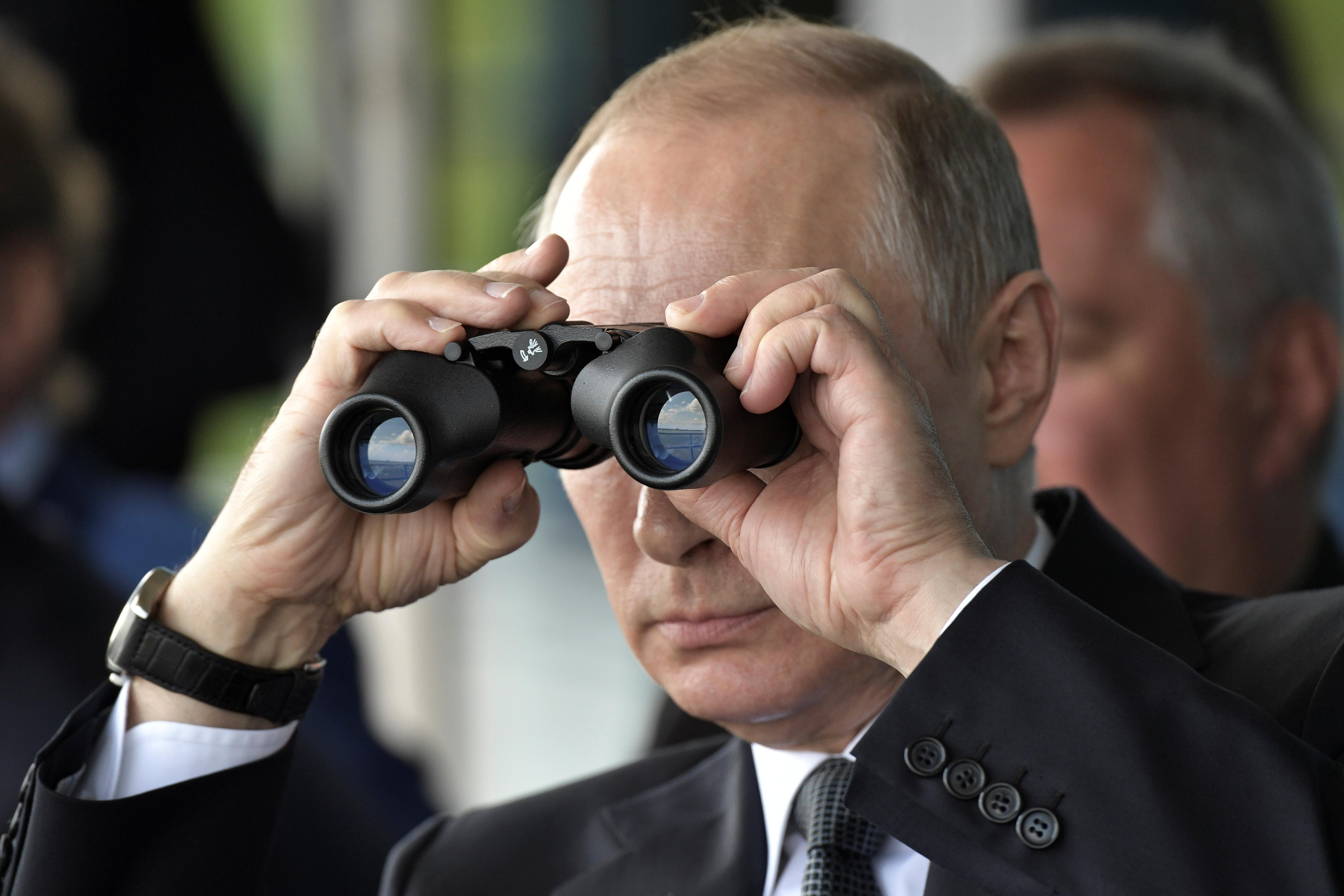 Vladimir Putin foreign agents media