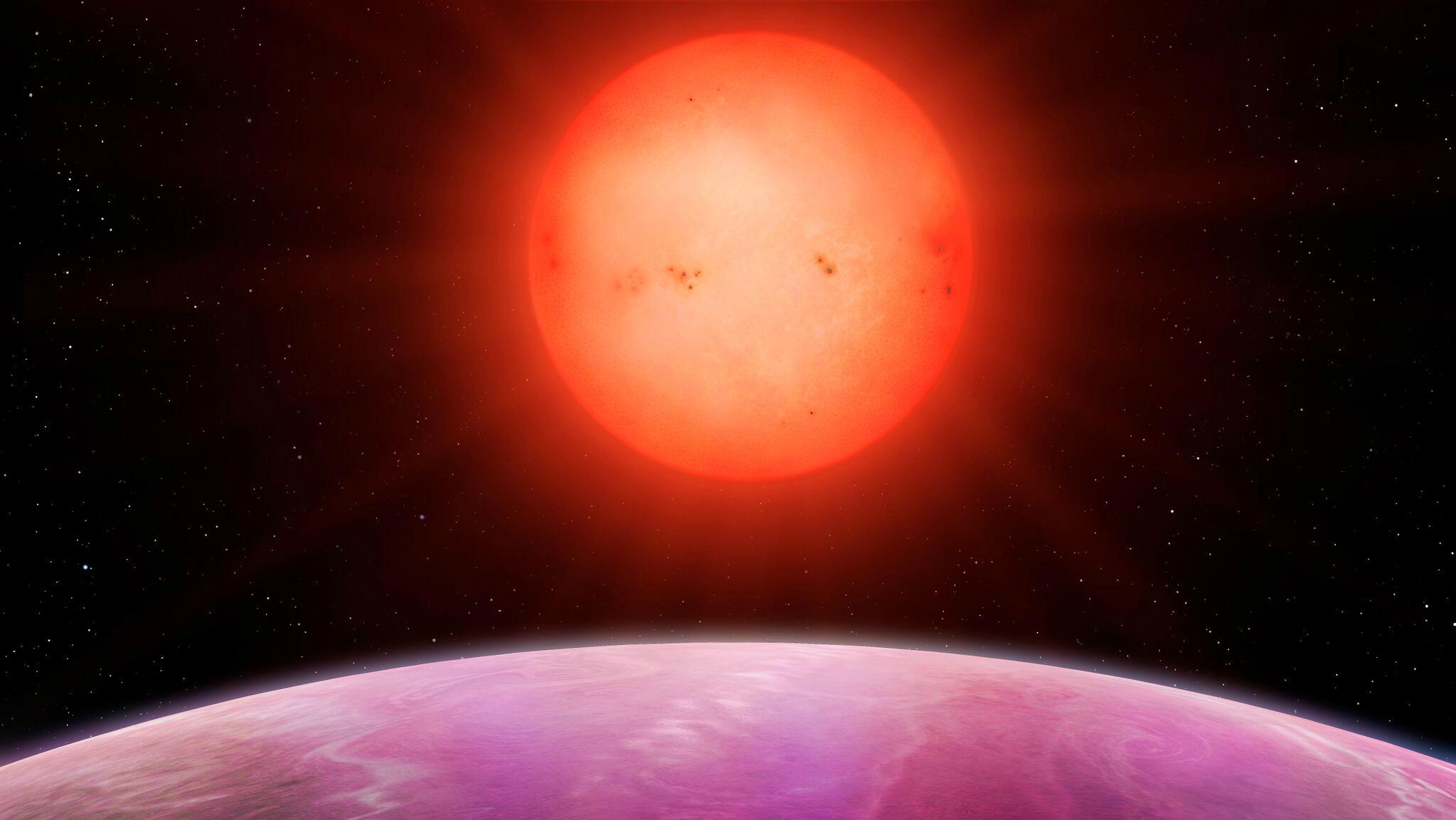 Big planet. Small star.