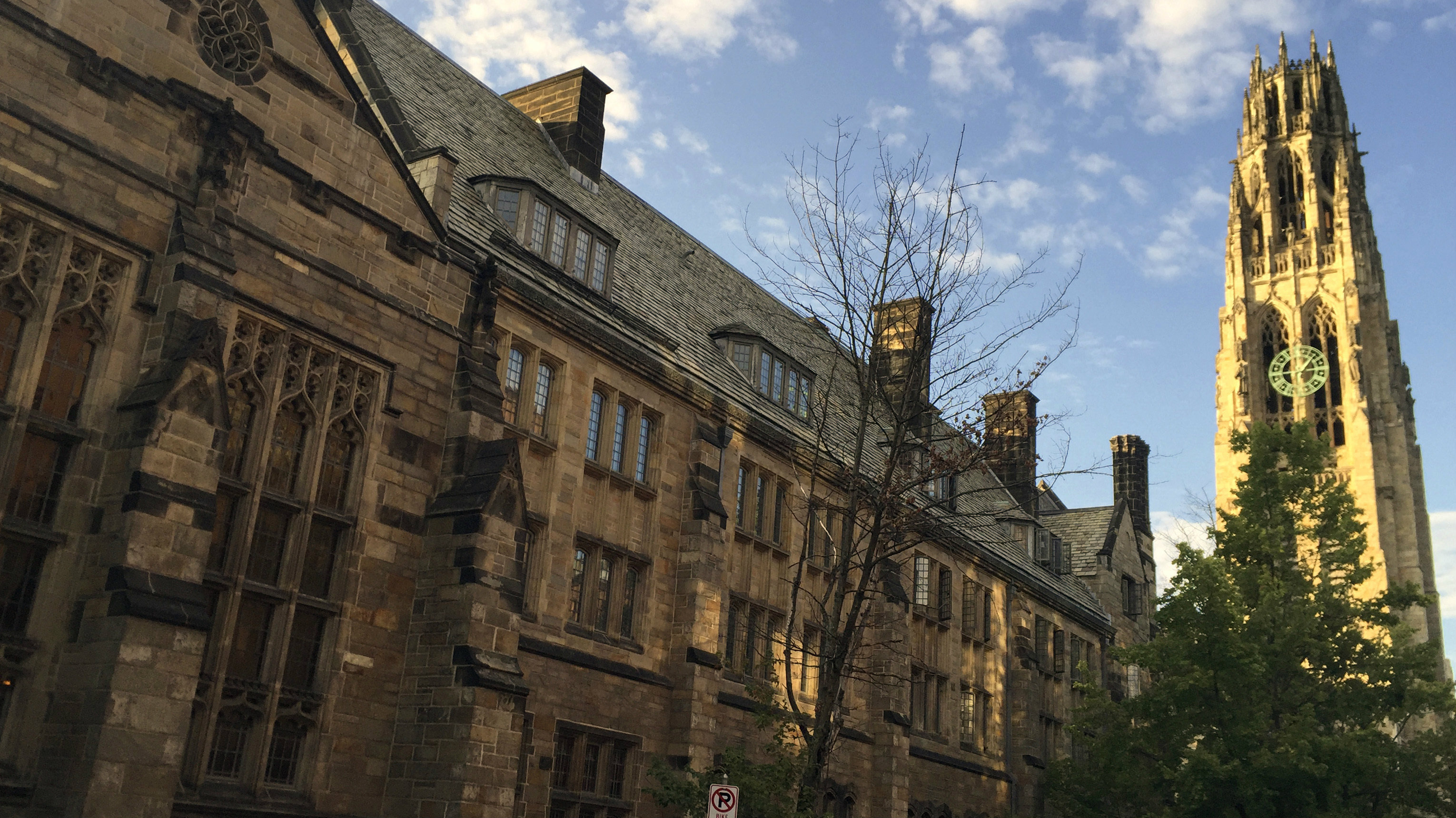 An image of Harness Tower and Yale University.