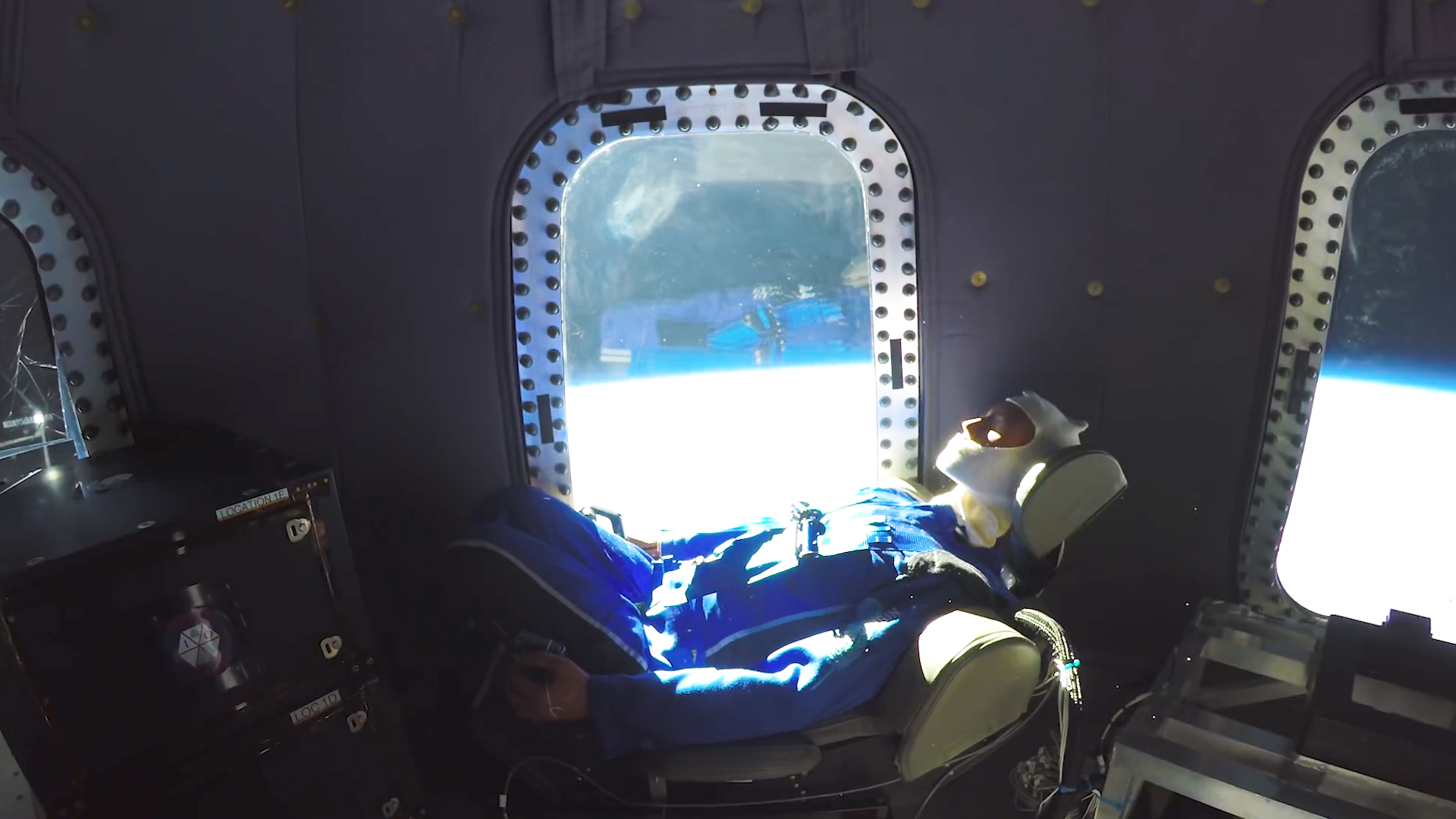 The view from inside Blue Origin's new Crew Capsule, which should be taking tourists to space by early 2019.