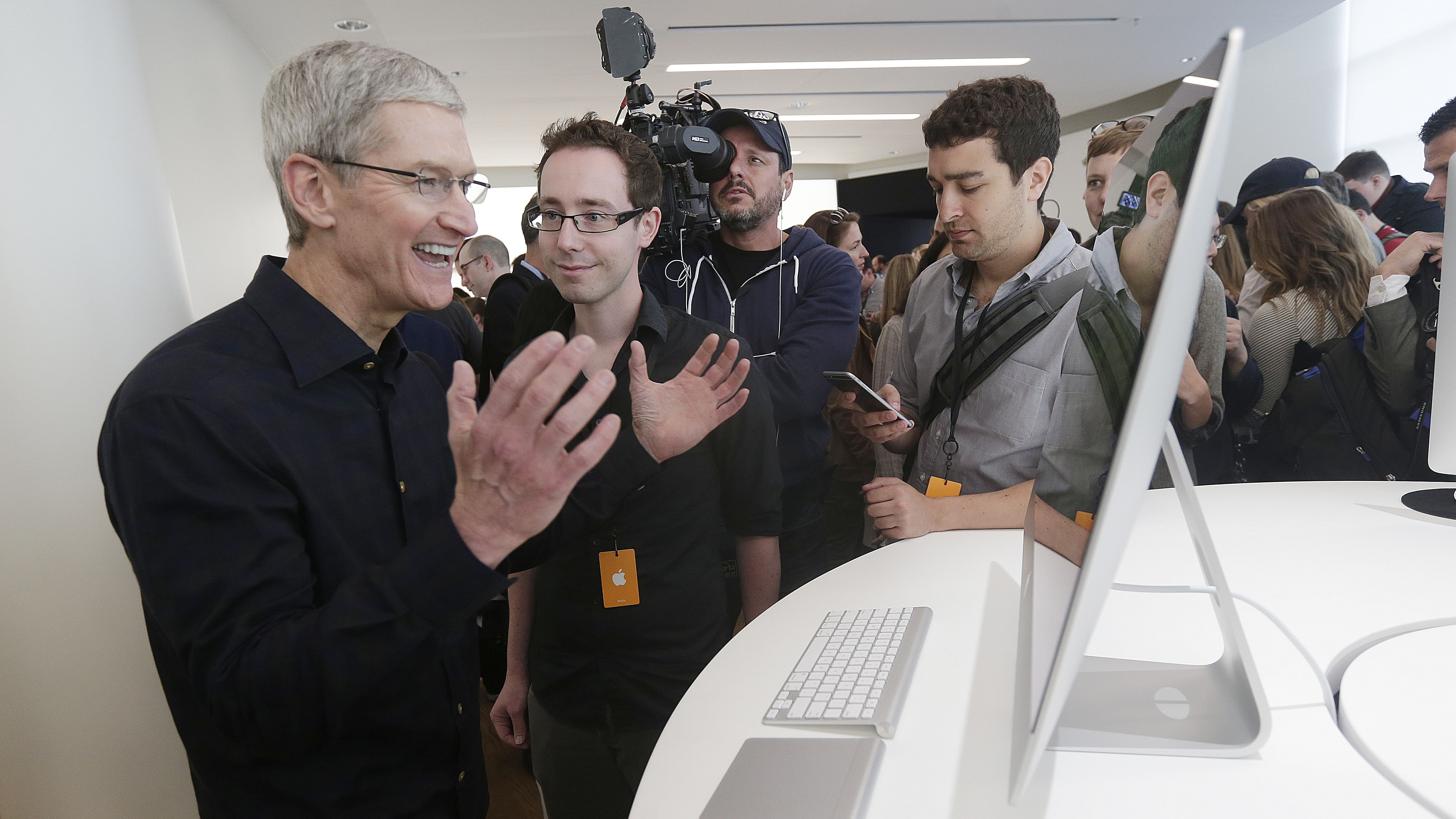 551f70dd2c7 Apple is reportedly merging iOS and macOS with one App Store for ...