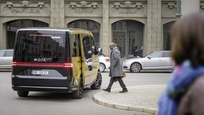 Volkswagen Thinks Its Ride Sharing Electric Minibus Will Take 1 Million Cars Off The Road