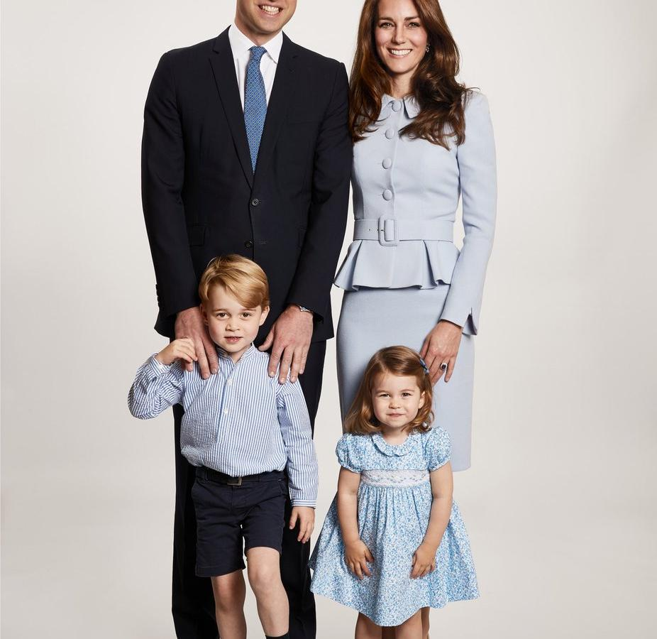 You Could Copy The Cambridges Royal Christmas Card At JCPenney Portrait Studio