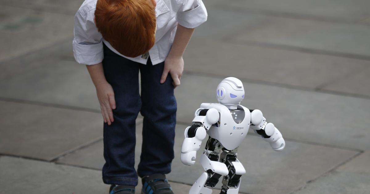 Technology enables researchers to teach robots to think like humans