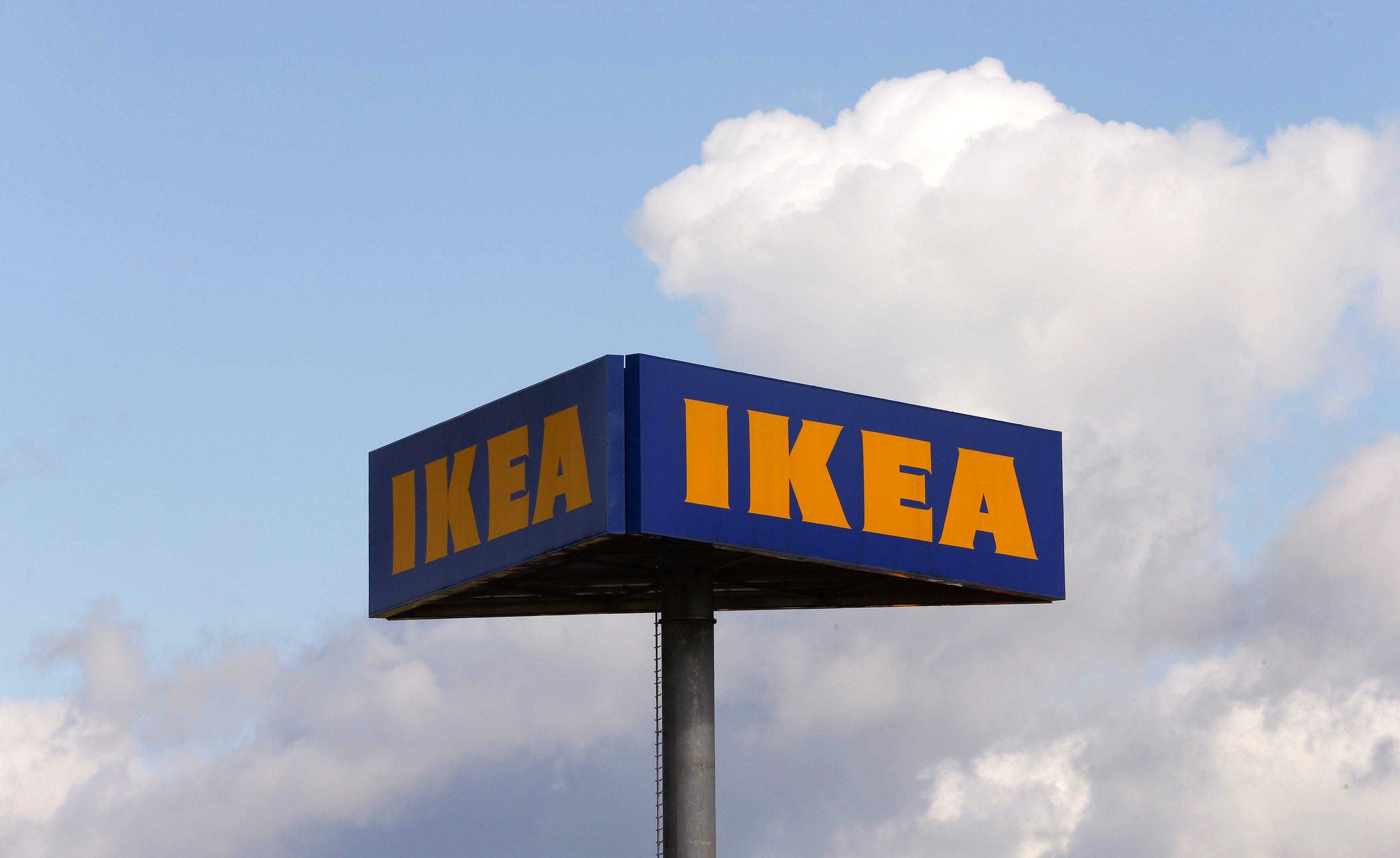 The company's logo is seen outside of an IKEA Group store in Spreitenbach, Switzerland April 27, 2016. REUTERS/Arnd Wiegmann - D1BETBDRNSAB