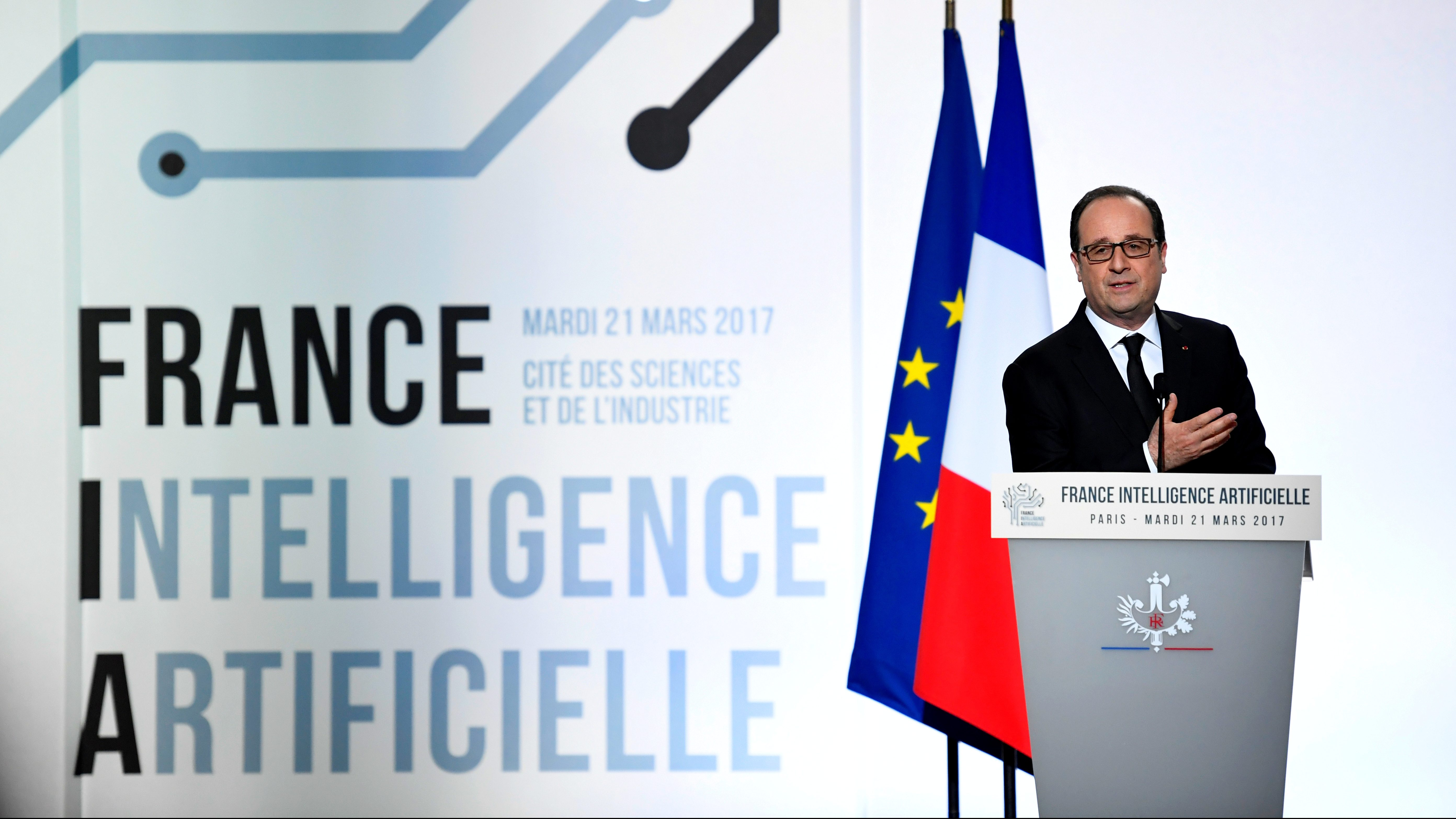 French President Francois Hollande delivers a speech during the launching of French strategy in artificial intelligence at the Cite des Sciences in Paris, France, March 21, 2017. REUTERS/Stephane de Sakutin/Pool - RC18CFD3DCA0