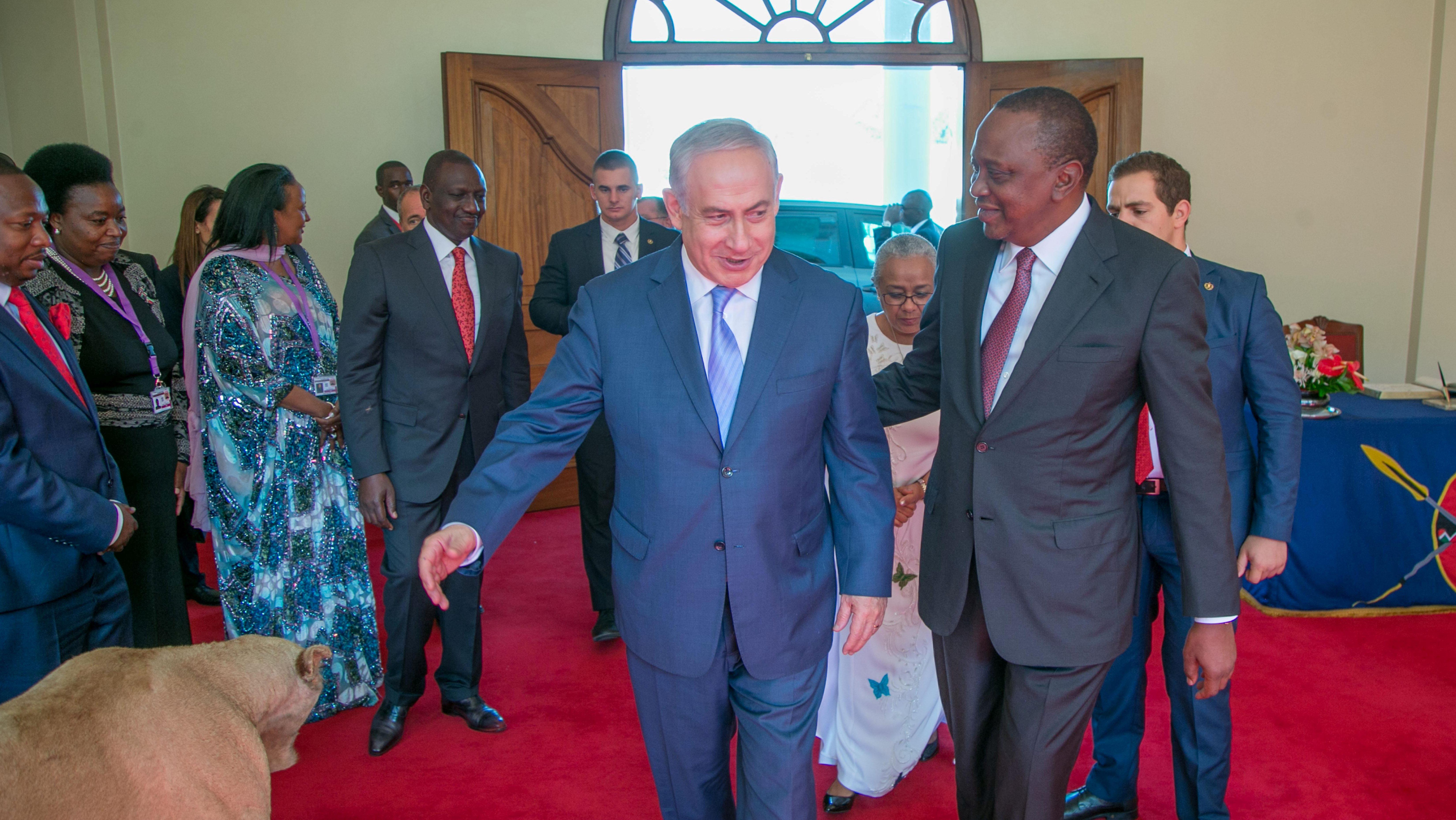 Israeli Prime Minister Benjamin Netanyahu meets Kenya's President Uhuru Kenyatta at State House in Nairobi, Kenya November 28, 2017.