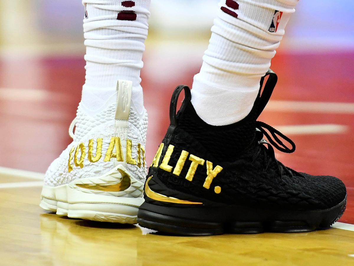"""low priced 660d7 df8b0 The meaning of LeBron James' black and white """"equality ..."""