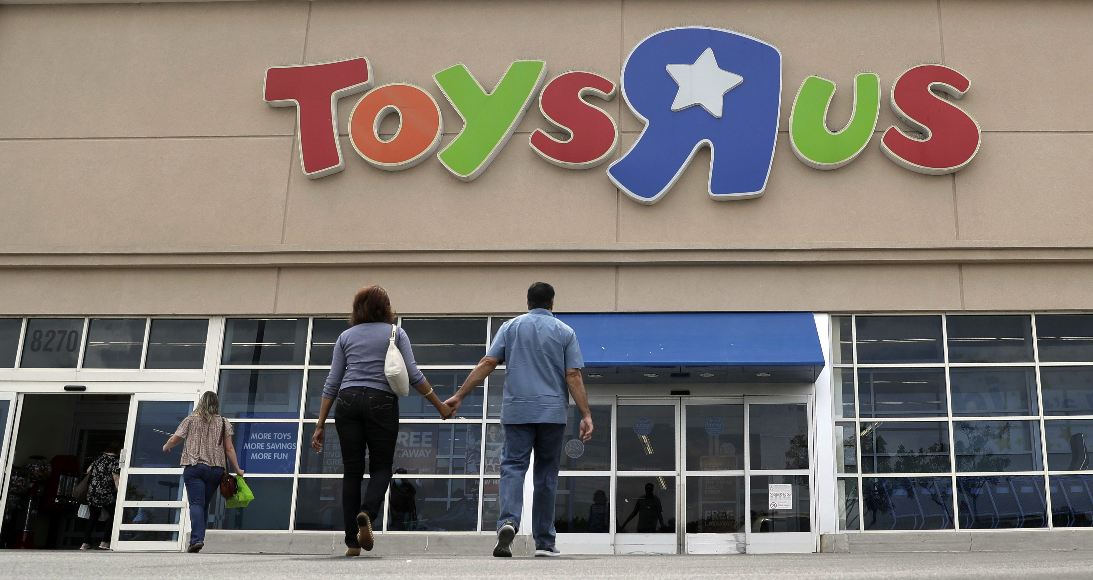 Executives At Bankrupt Toys R Us Are In Line For Another 21 Million Bonuses