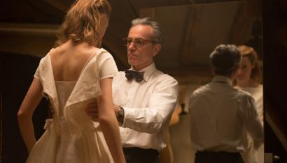 "Vicky Krieps stars as ""Alma"" and Daniel Day-Lewis stars as ""Reynolds Woodcock"" in writer/director Paul Thomas Anderson's PHANTOM THREAD, a Focus Features release."