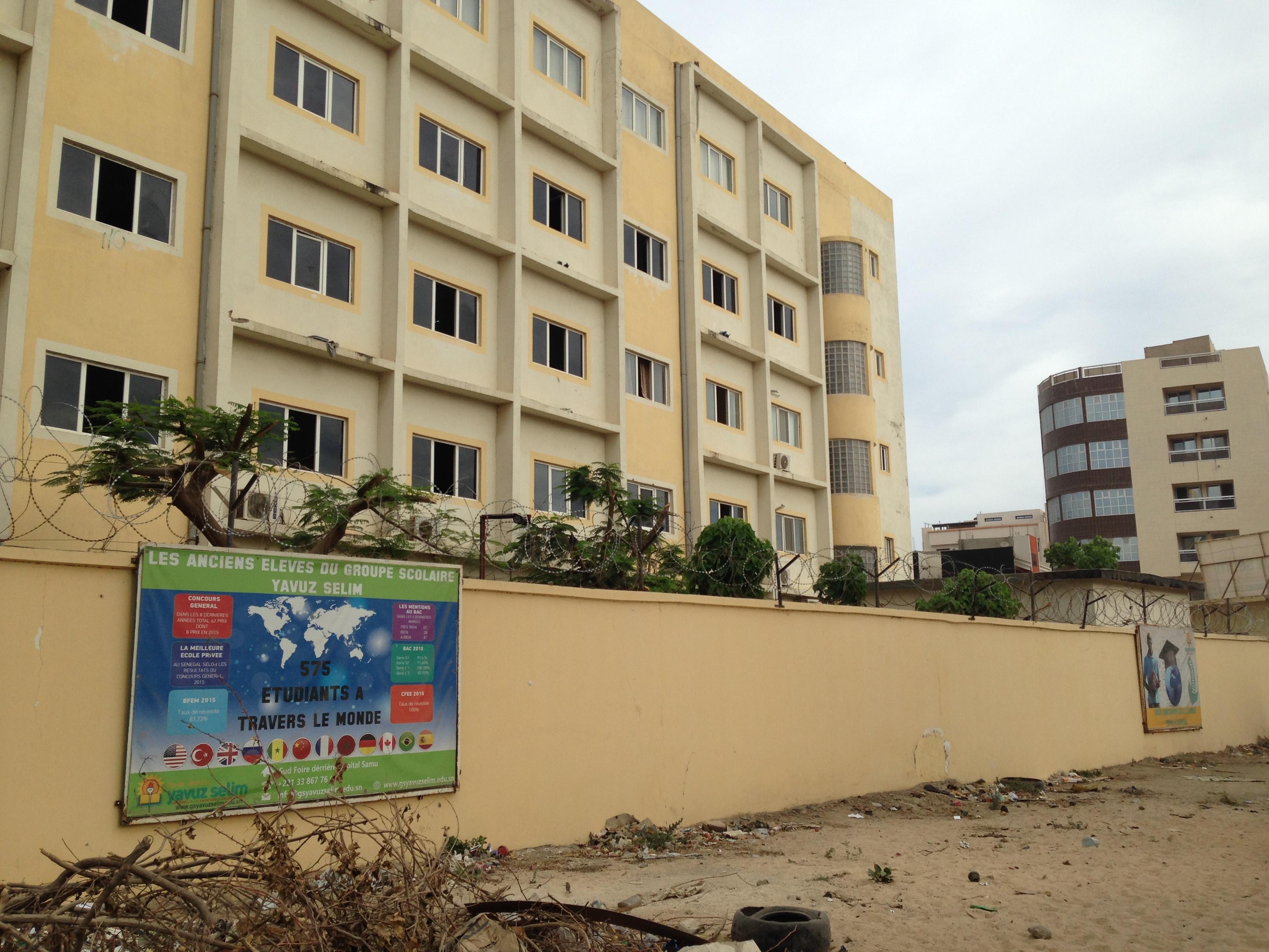 Collège Bosphore in Dakar .