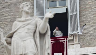 "Pope Francis waves to faithful during the Angelus prayer in St. Peter's Square at the Vatican, Sunday, Jan. 14, 2018. Pope Francis says while fear of migrants is ""legitimate' it's a sin if that causes hostility. Francis invited migrants, refugees, asylum-seekers, newly arrived immigrants and second-generation immigrant families to a special Mass he celebrated Sunday in St. Peter's Basilica. (AP Photo/Alessandra Tarantino)"