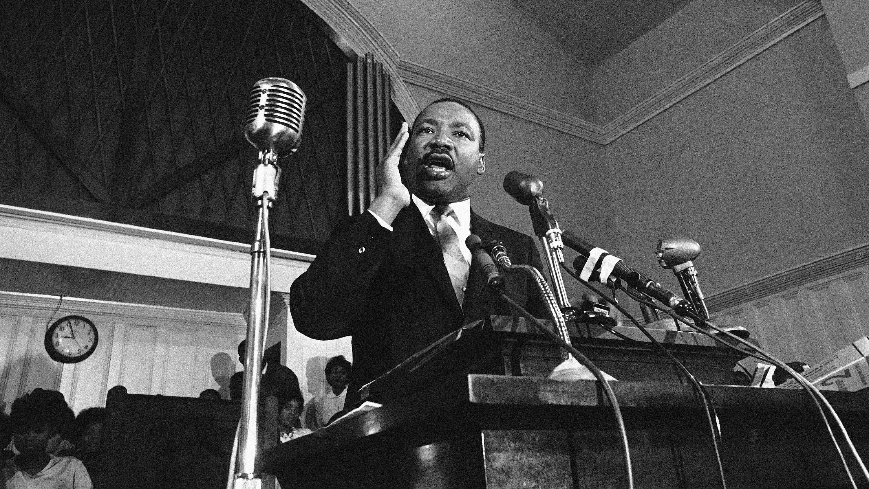 martin luther king as a leader A genuine leader is not a searcher for consensus but a molder of consensus - martin luther king, jr quotes from brainyquotecom.