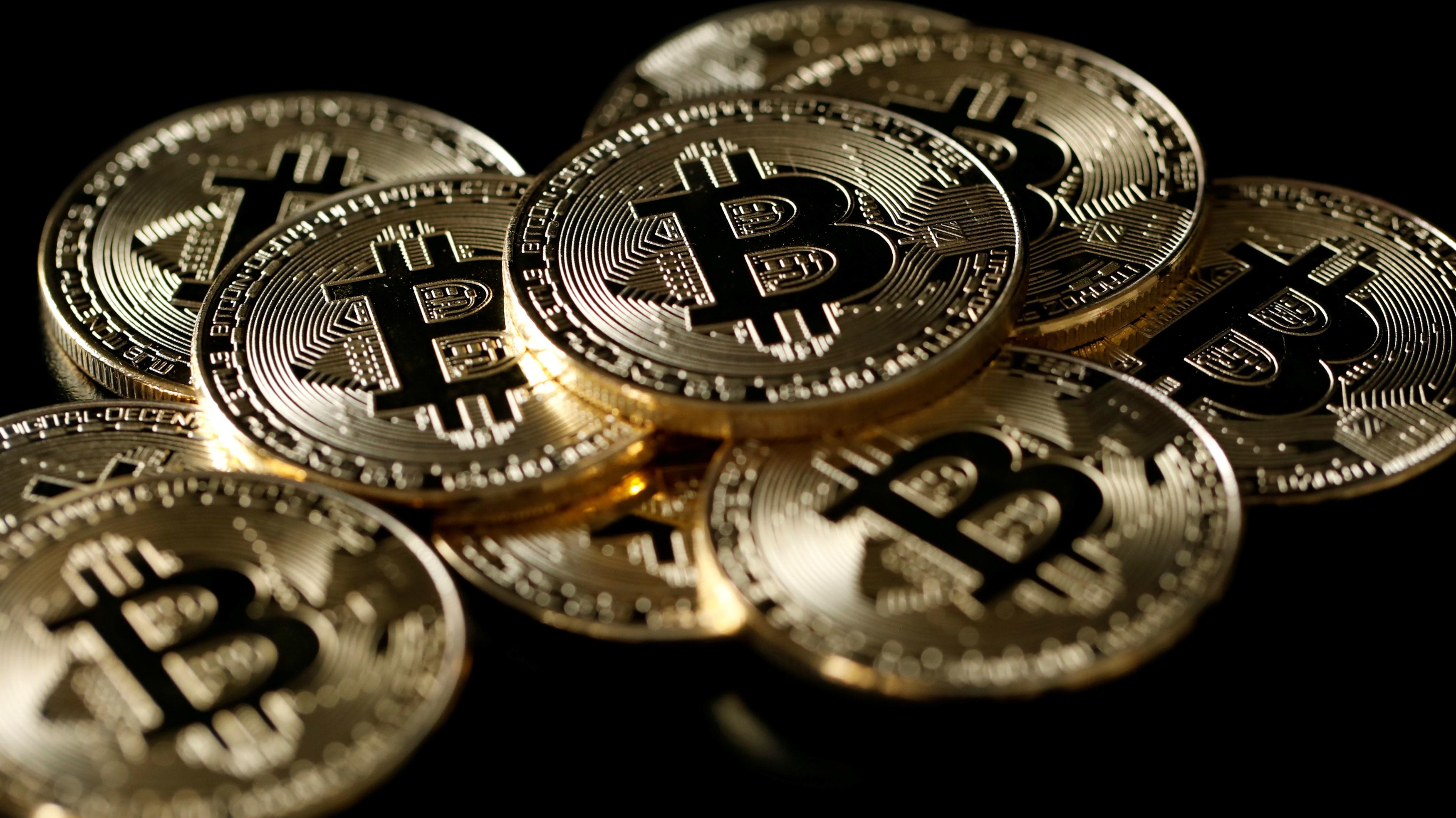 c-bitcoin-RTX3VKFF-Benoit Tessier