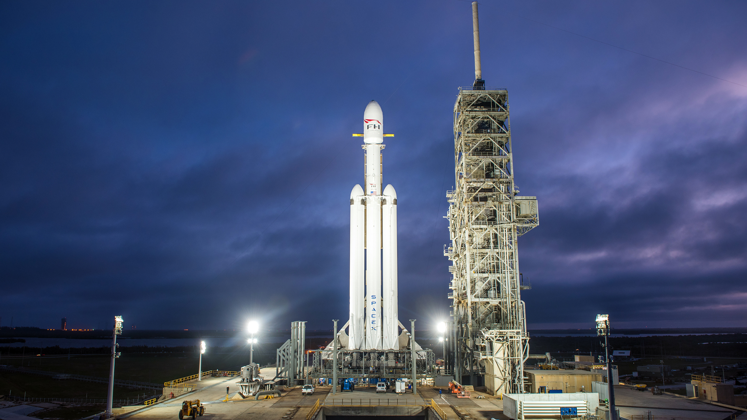 The Falcon Heavy on its launch pad.