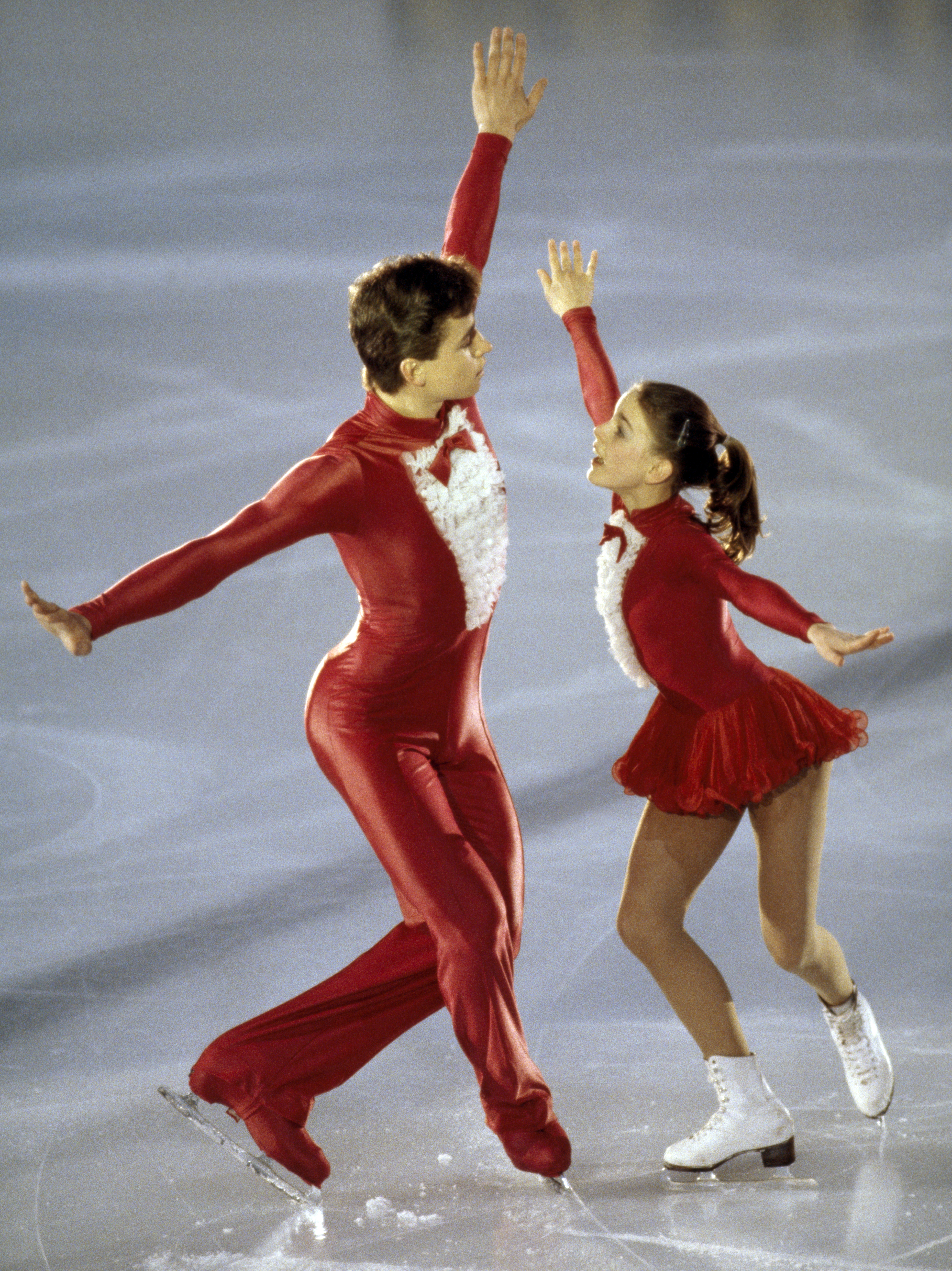 Sergei Grinkov and Ekaterina Gordeeva of Russia performing in a pairs skating event during the European Figure Skating Championships in Copenhagen, Denmark, circa 1986. (Photo by Eileen Langsley/Popperfoto/Getty Images)