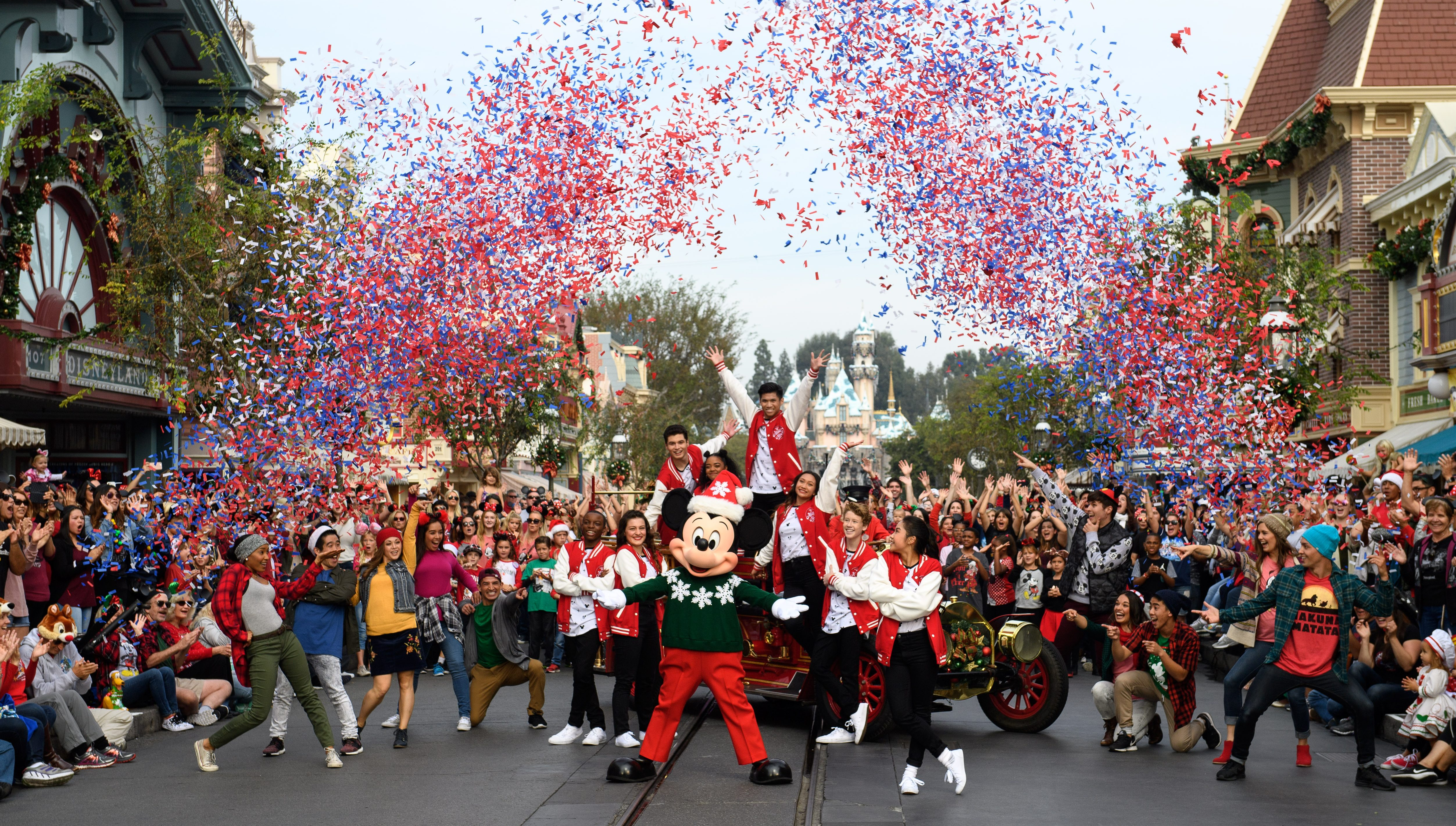 california is at war with trumpand disneyland is the capital of the resistance - When Does Disneyland Decorate For Christmas 2018