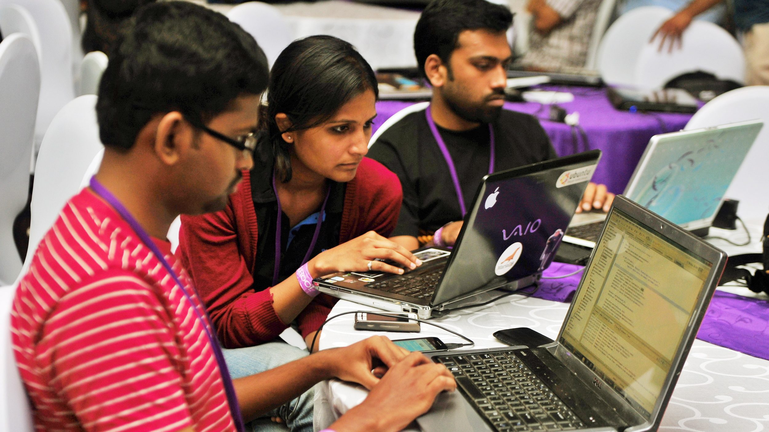 epa02848473 Software professionals take part in the 24 hours ?Hackathon? during the Open Hack Day, in southern Indian city of Bangalore, 30 July 2011. Over 800 developers from across India took part in the Yahoo Research & Development 4th Open Hack in India and 15th such global event, from 30 July to 31 July in Bangalore.  EPA/JAGADEESH NV