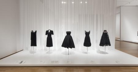 Installation view of Items: Is Fashion Modern? The Museum of Modern Art, New York, October 1, 2017-January 28, 2018. © 2017 The Museum of Modern Art. Photo: Martin Seck