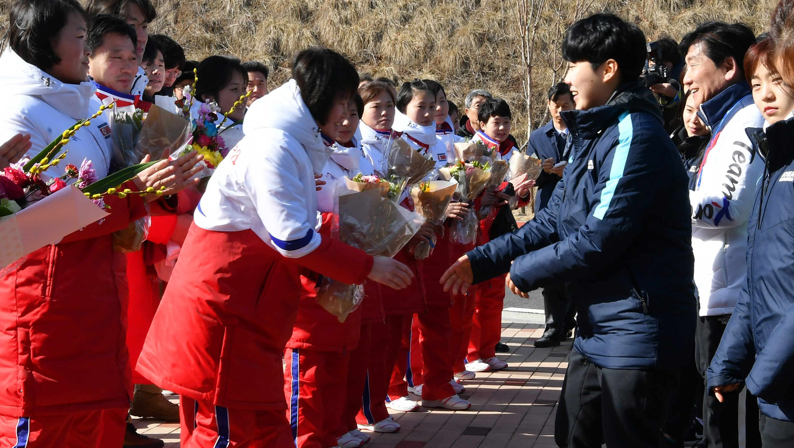 North Korean women's ice hockey team arrive to South Korea