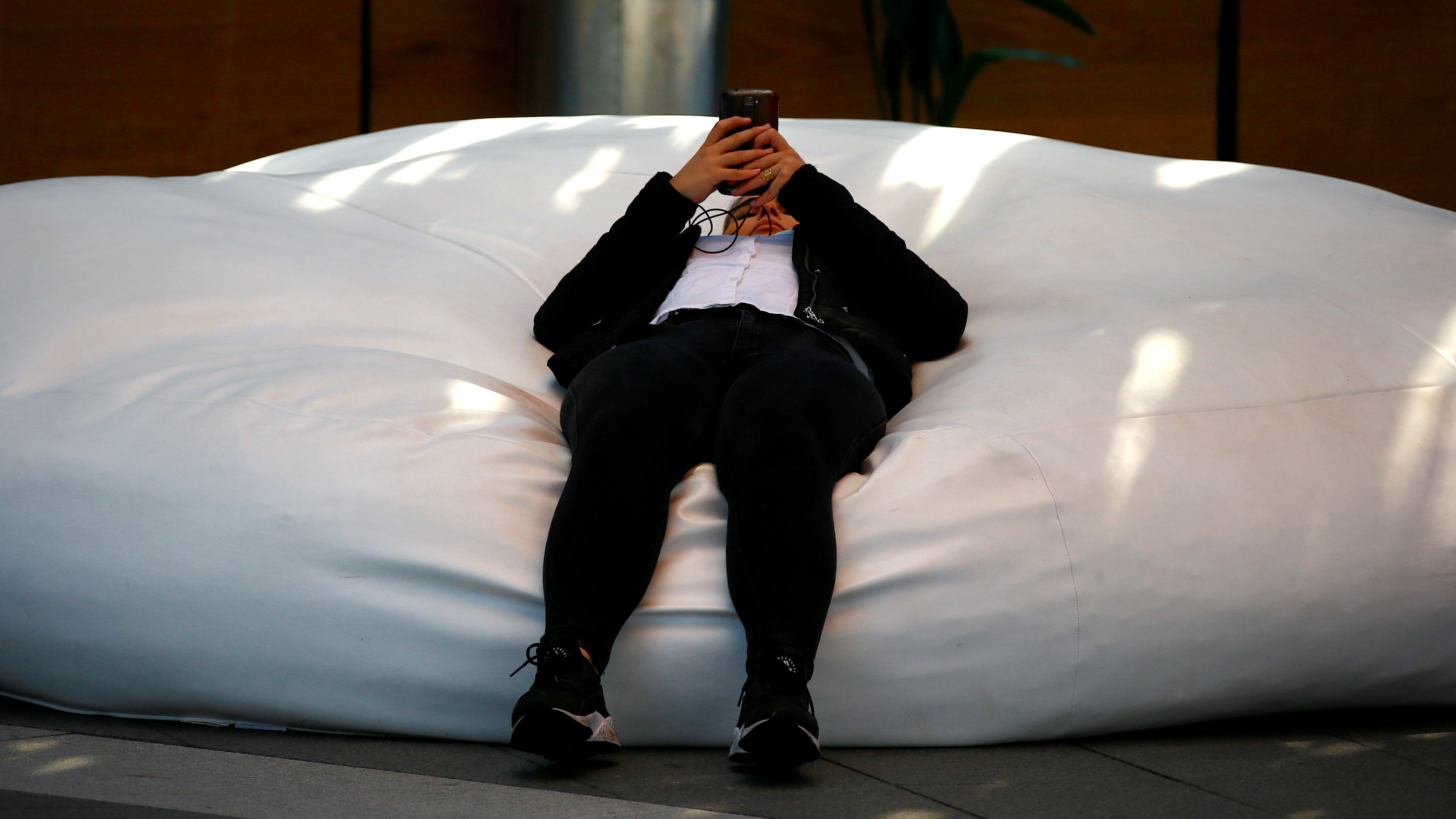 Here's why a period in a text message makes you sound angry — Quartz
