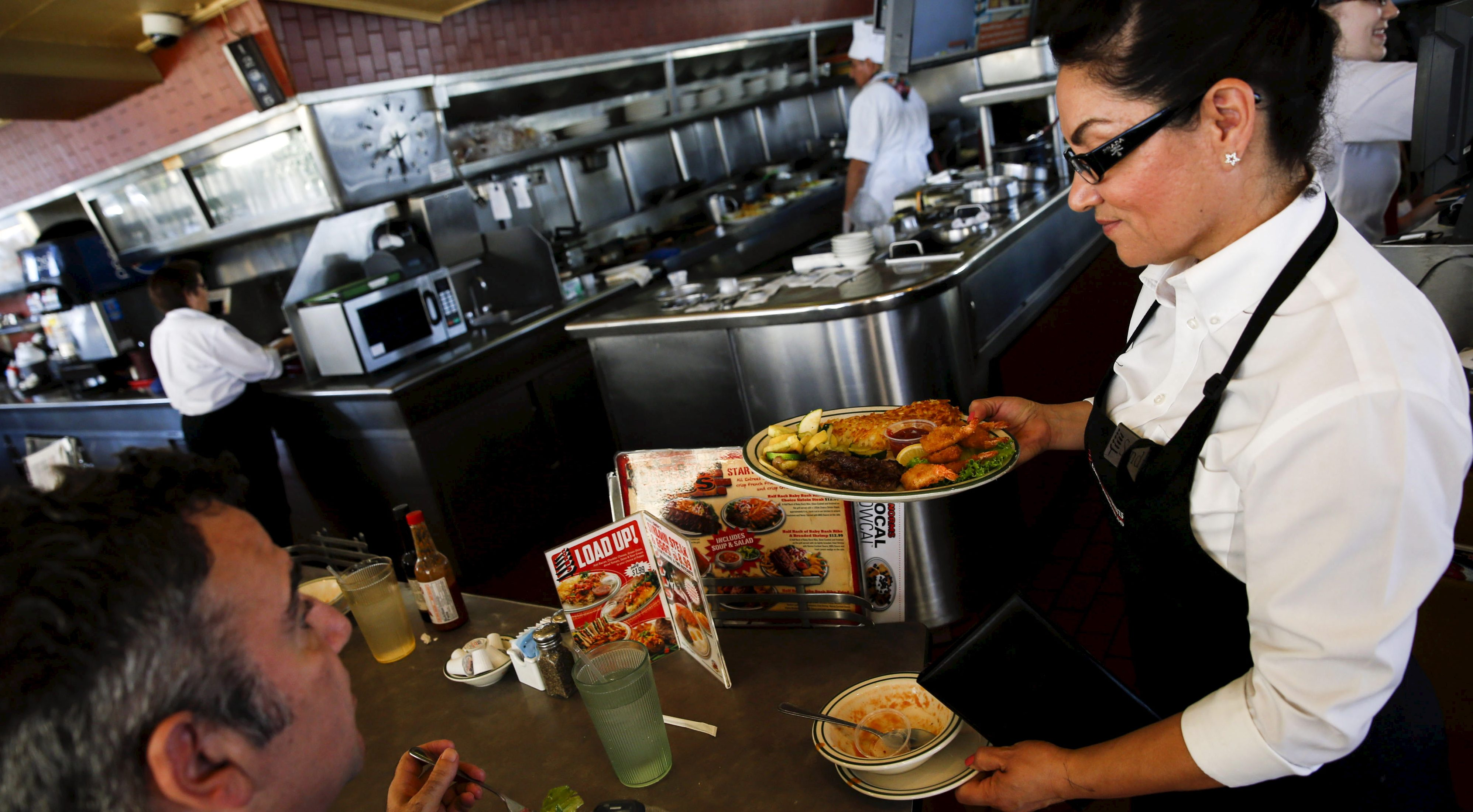The Best City To Be A Waitress If The Us Tip Stealing Rule Change