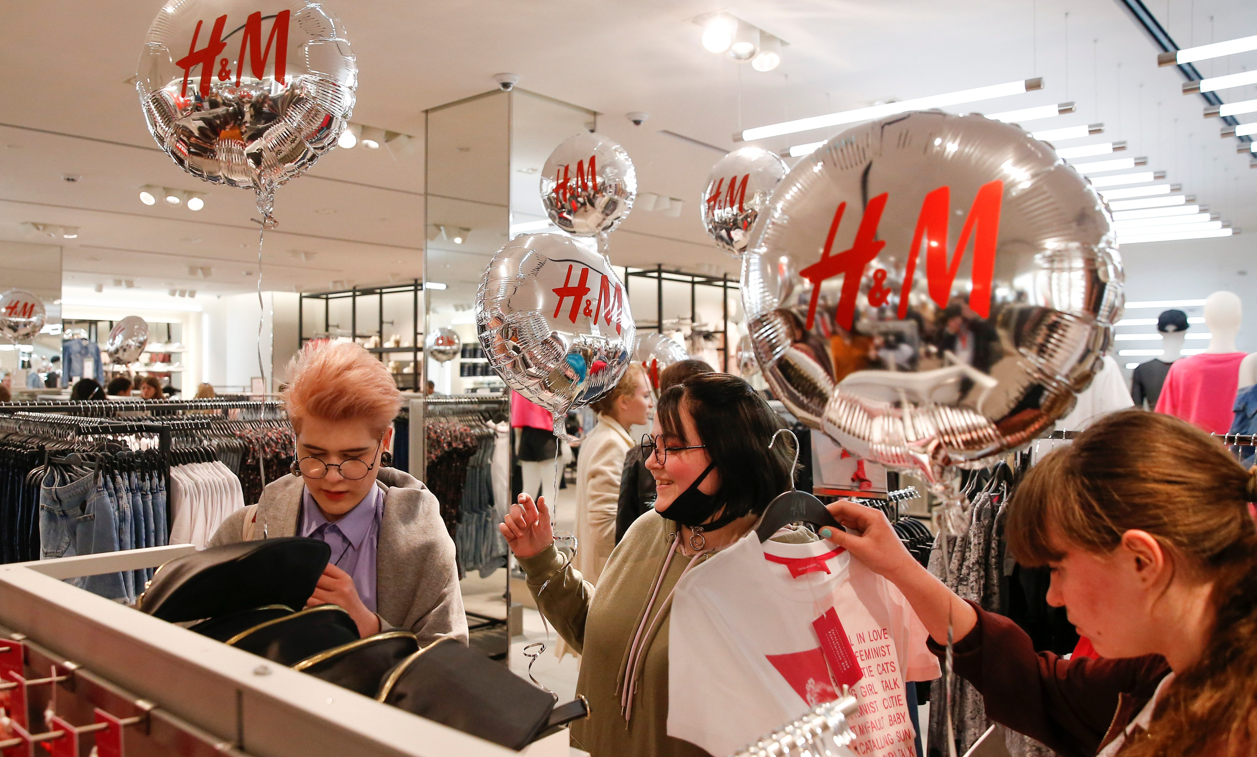 People Shop At The Swedish Fashion Retailer Hennes Mauritz Hm Store On Its