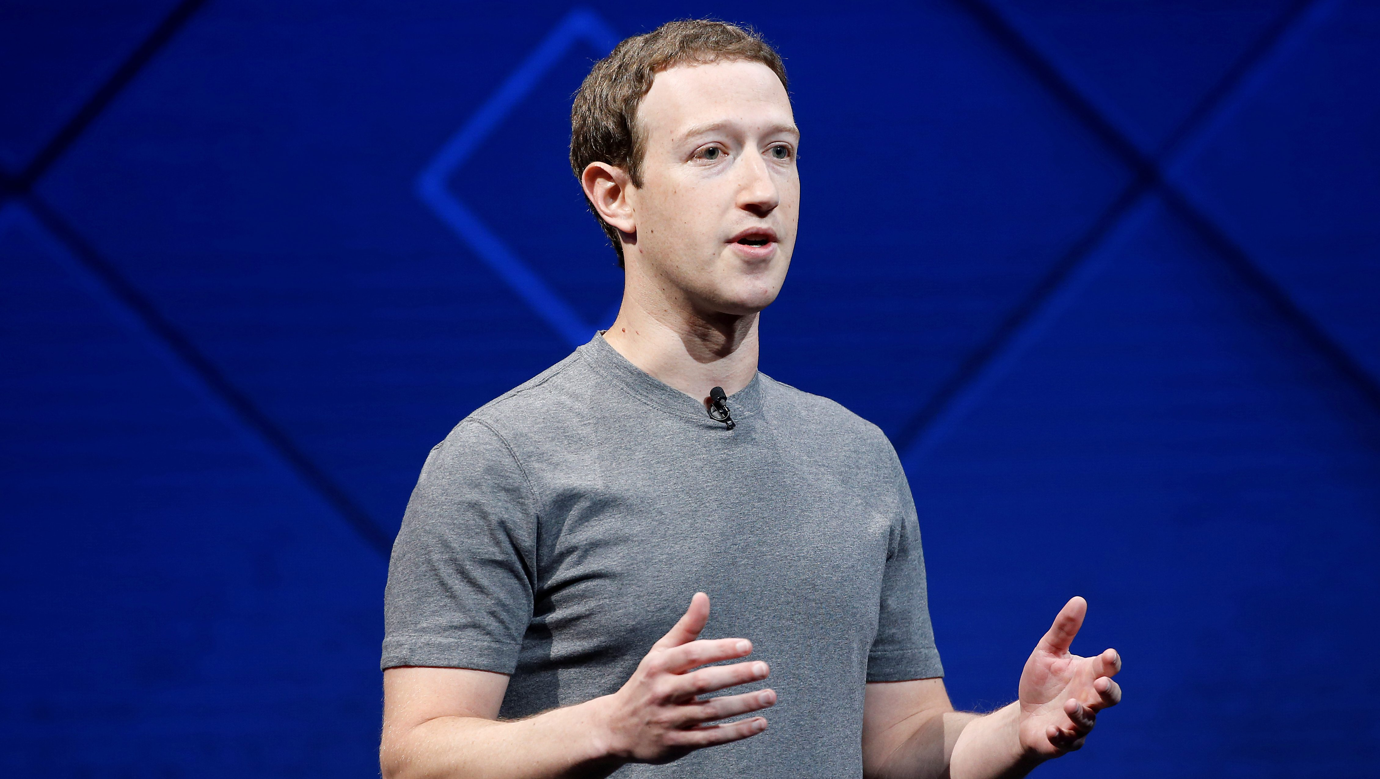 FILE PHOTO: Facebook Founder and CEO Mark Zuckerberg speaks on stage during the annual Facebook F8 developers conference in San Jose, California, U.S., April 18, 2017. REUTERS/Stephen Lam/File Photo - RC1E948B6D00
