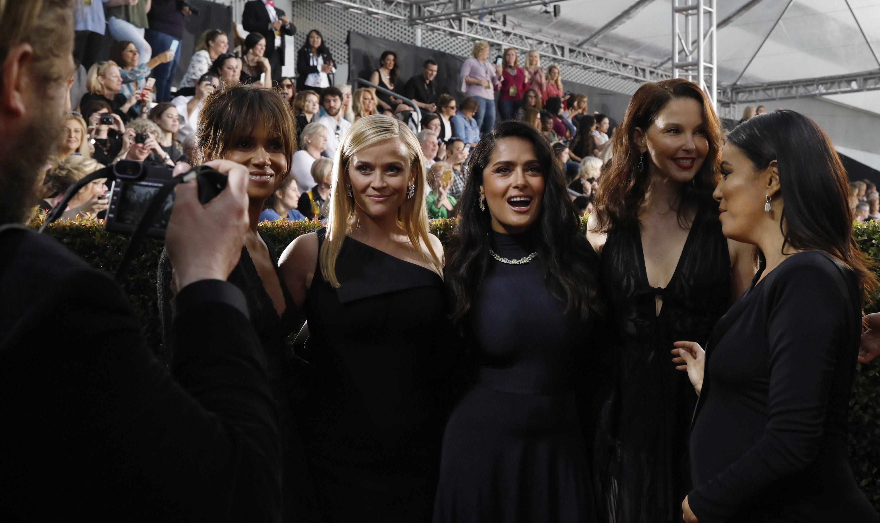 75th Golden Globe Awards – Arrivals – Beverly Hills, California, U.S., 07/01/2018 – (L-R) Actresses Halle Berry, Reese Witherspoon, Salma Hayek, Ashley Judd and Eva Longoria. REUTERS/Mario Anzuoni - HP1EE180308L2