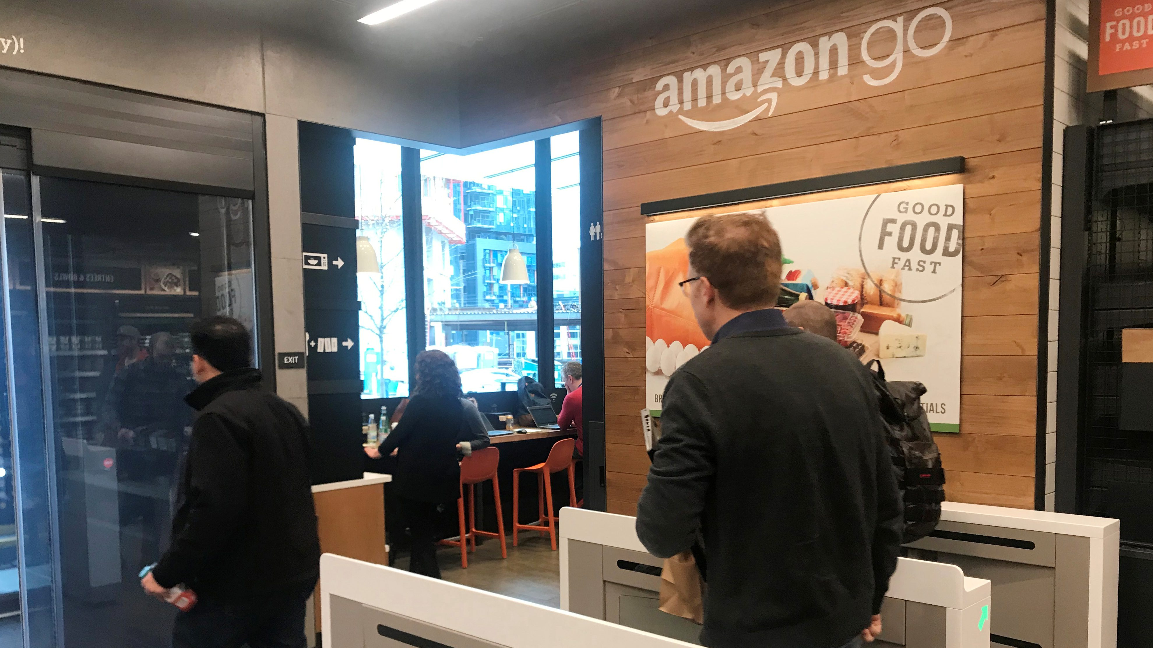 Amazon Go S Ai Powered Grocery Store Is Opening To The Public In