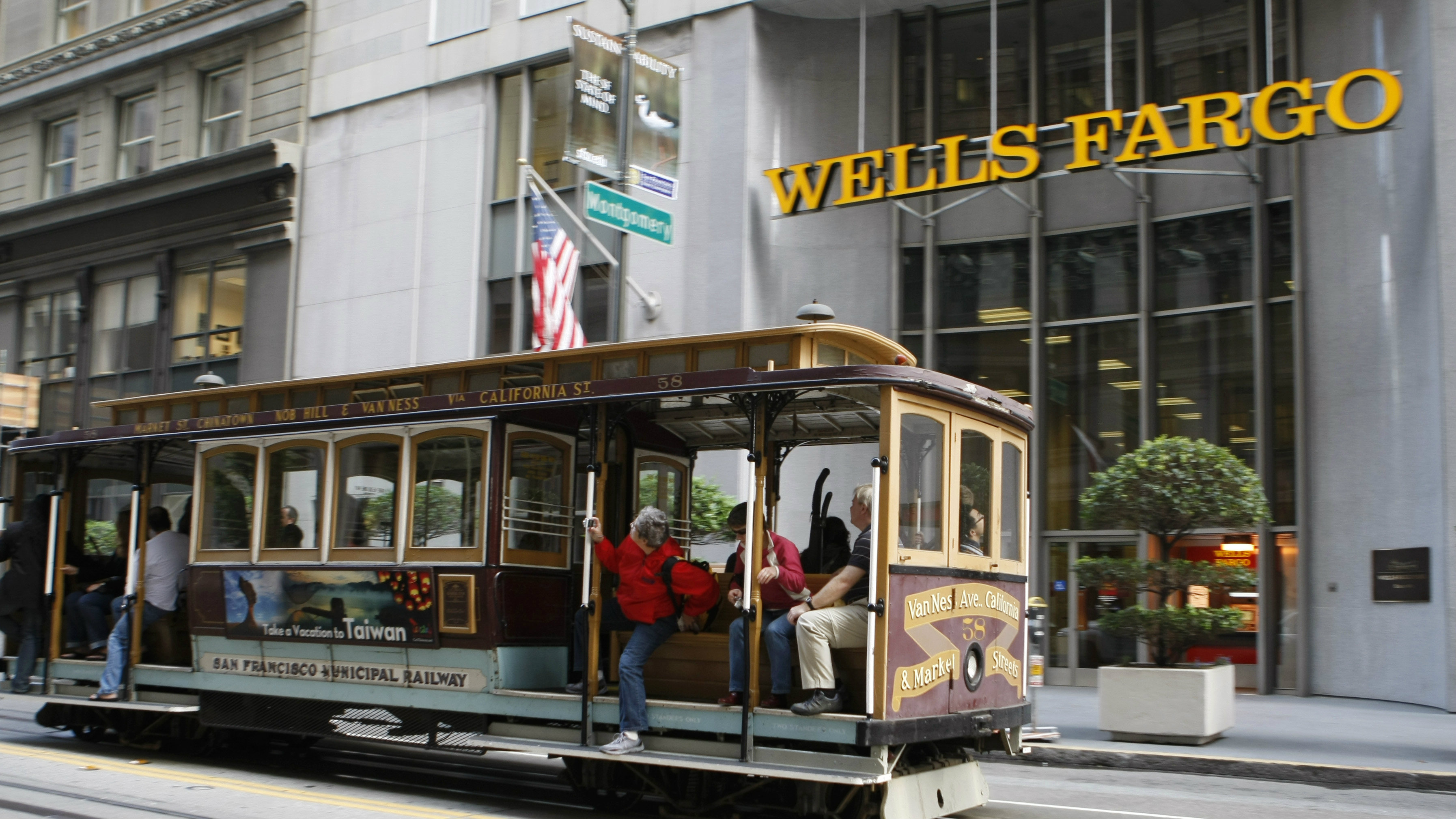 Trolley passes a Wells Fargo Bank in downtown San Francisco